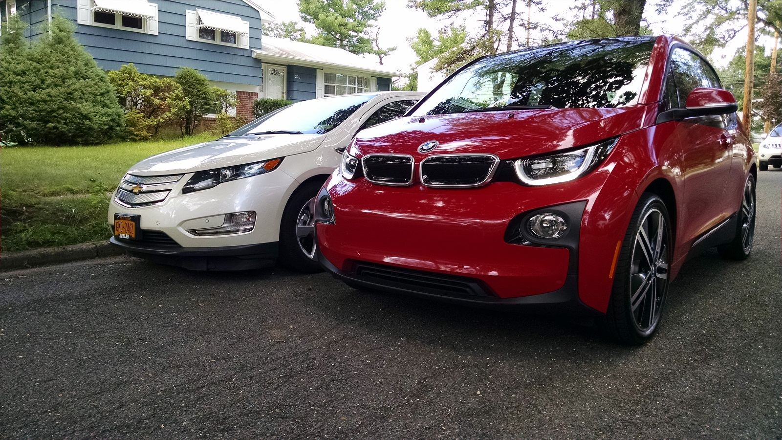 2014 bmw i3 rex vs chevy volt range extended electric. Black Bedroom Furniture Sets. Home Design Ideas
