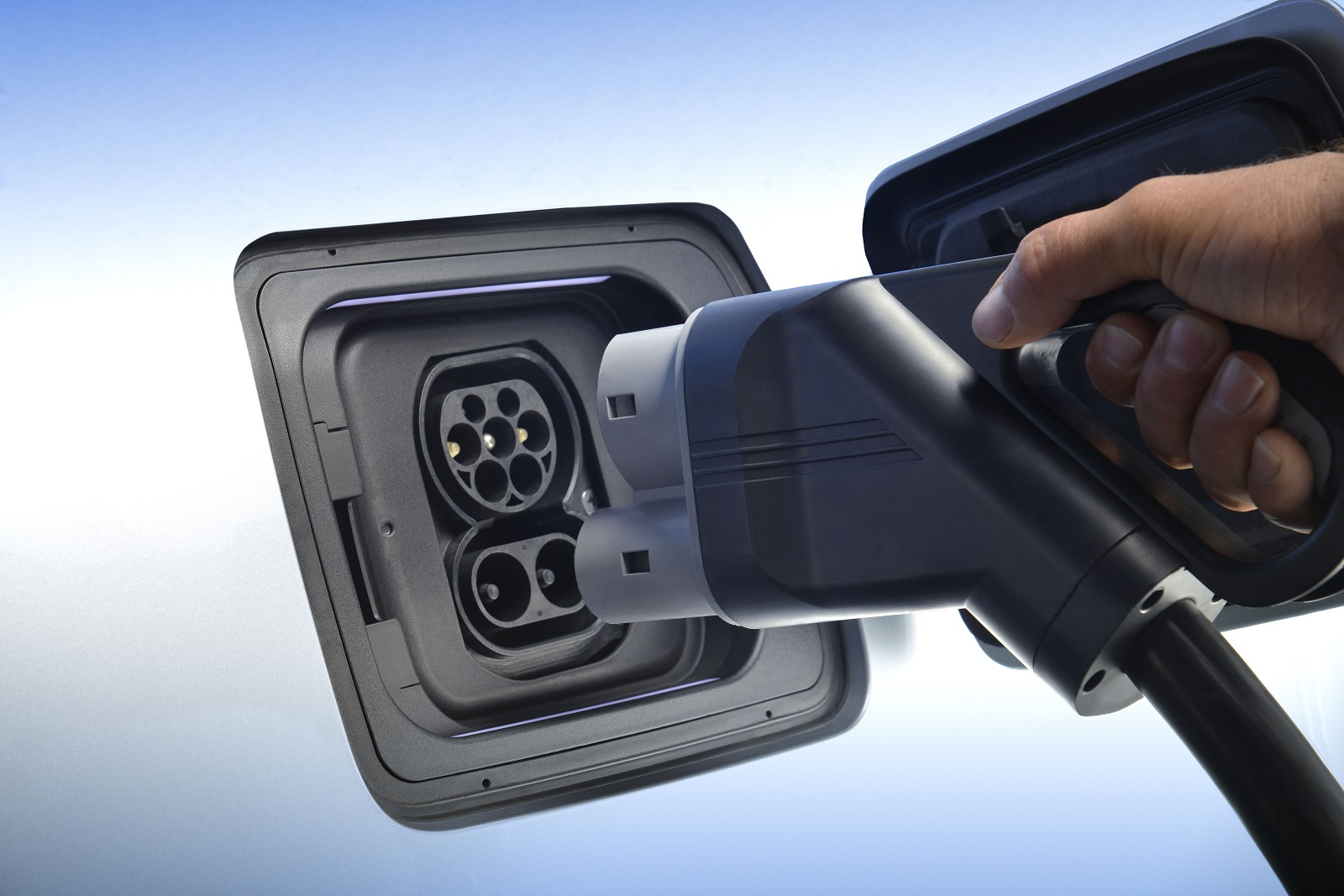 BMW Gives i3 A Boost With New $6,500 DC Fast Charger