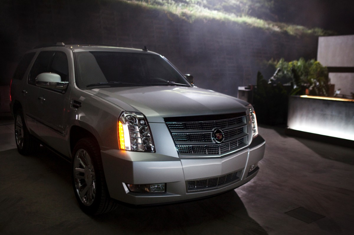 2014 cadillac escalade review ratings specs prices and photos the car connection. Black Bedroom Furniture Sets. Home Design Ideas