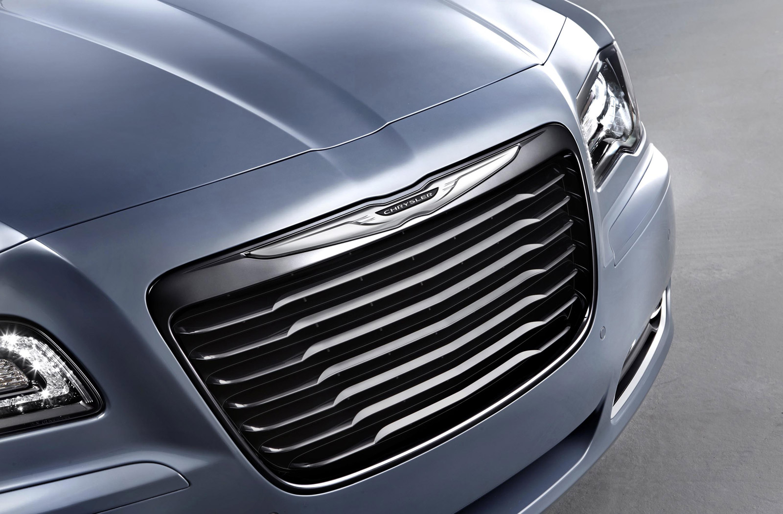 Chrysler To Go Mainstream, Launch New Compact And Plug-In Hybrids