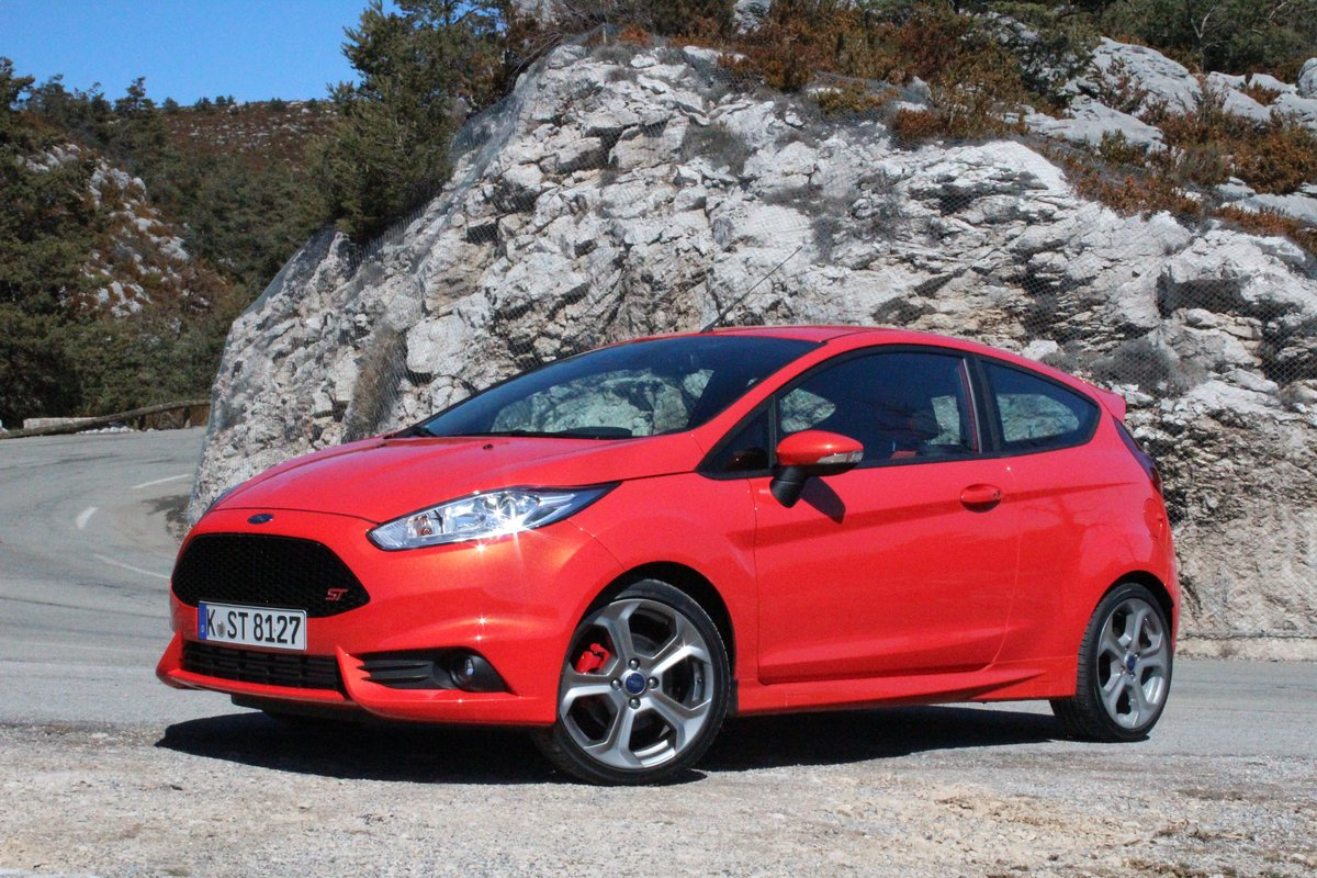 2014 ford fiesta st 35 mpg highway