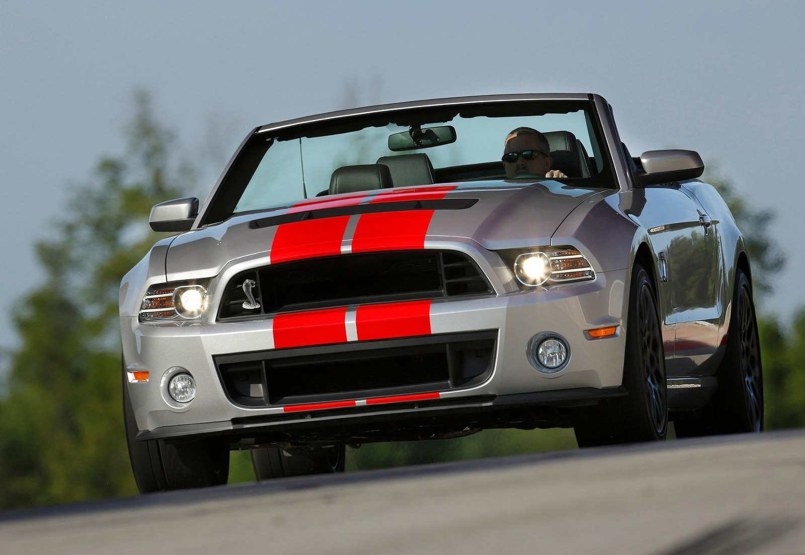 2012 Mustang V6 For Sale >> Ford To Auction Off Last 2014 Shelby GT500 Convertible For ...