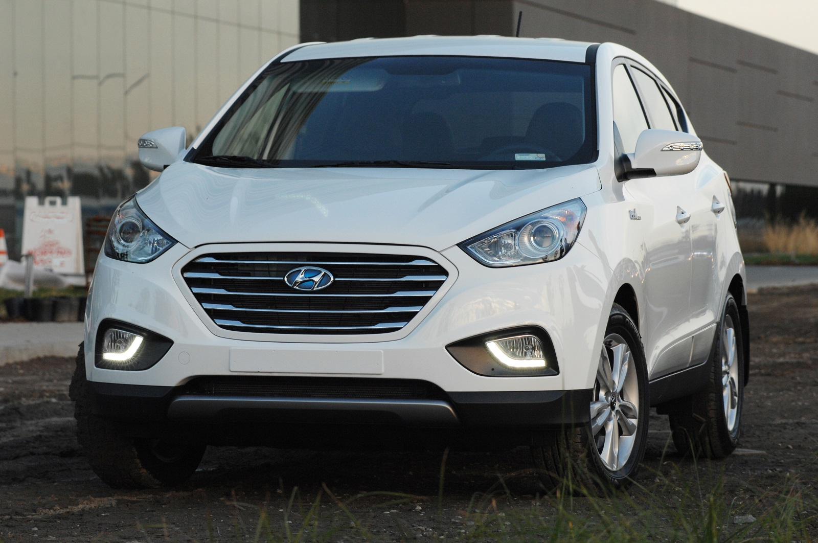 2015 Hyundai Tucson Fuel Cell Hydrogen Crossover First Drive