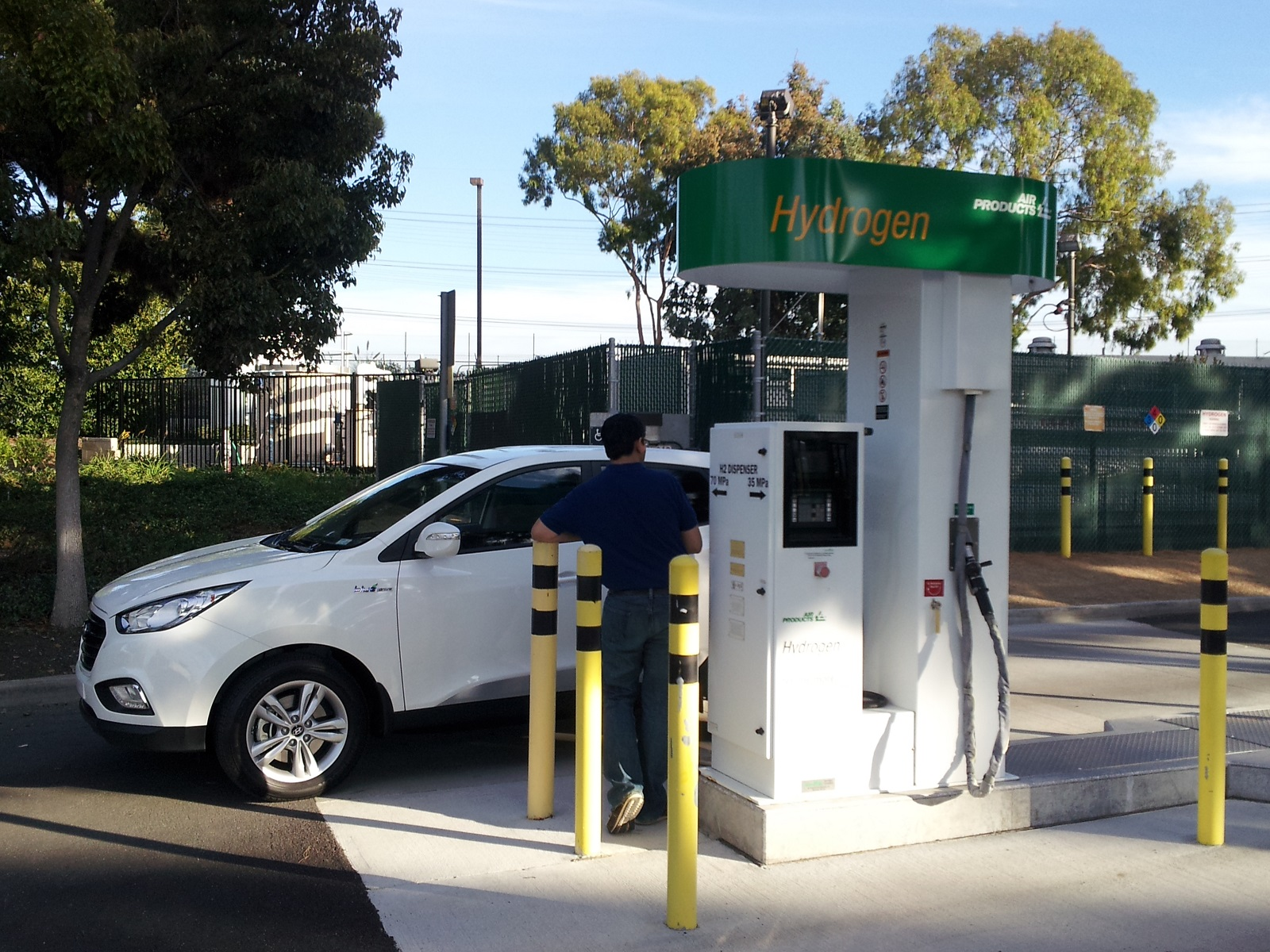 Plug In Hybrids Are The Best Competitors To Fuel Cell