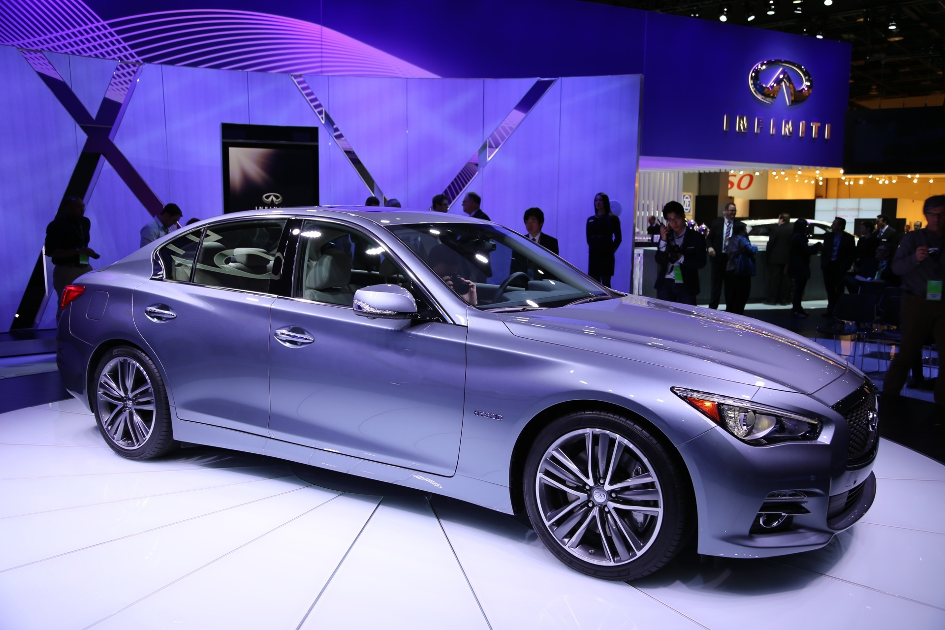 q50 infiniti hybrid detroit cylinder under diesel developments hood advanced auto debuts