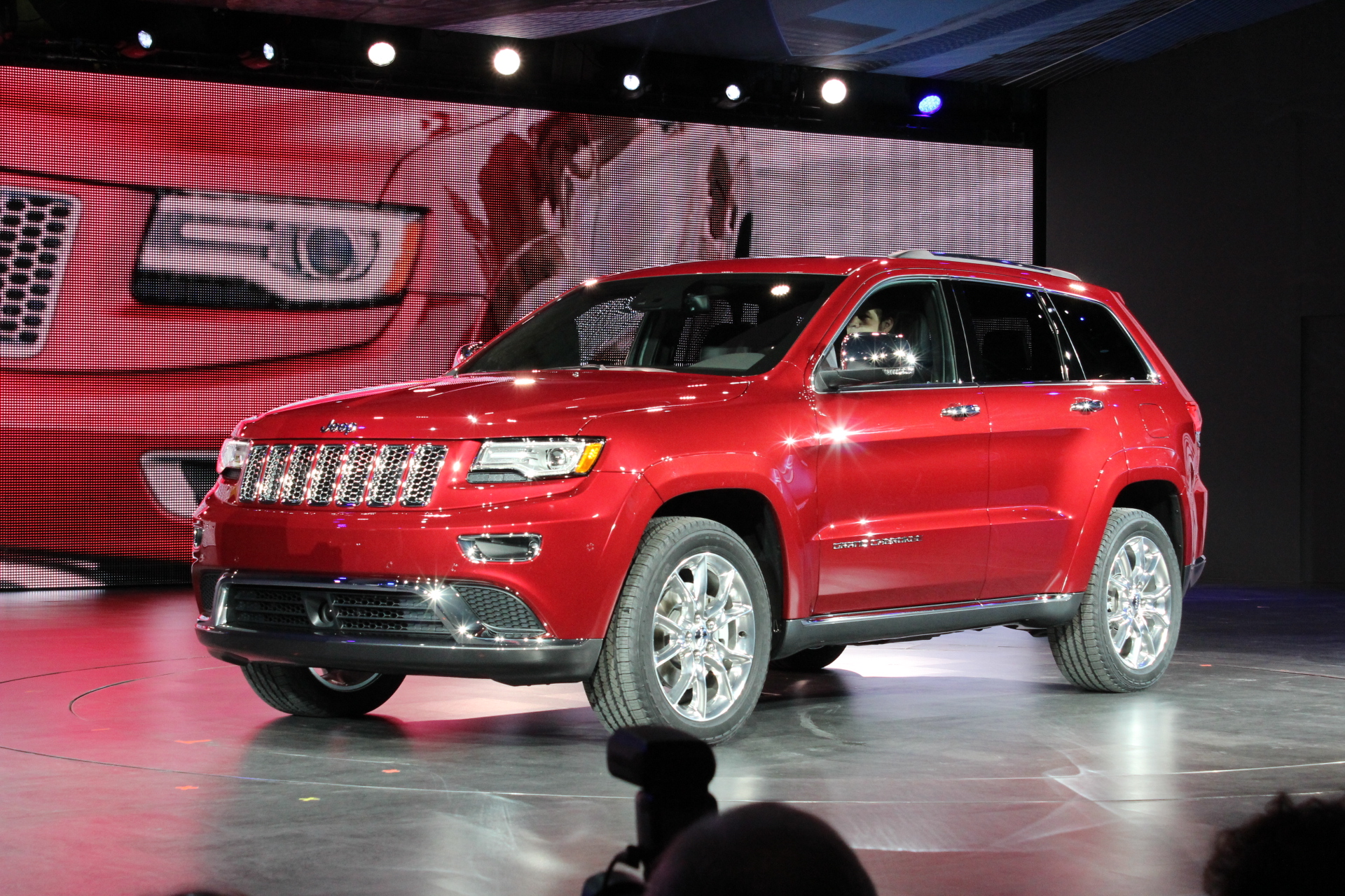 2014 jeep grand cherokee ecodiesel live photos from detroit auto show. Black Bedroom Furniture Sets. Home Design Ideas