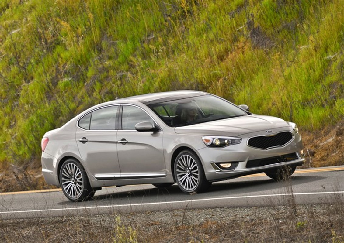 2014 kia cadenza recalled for fractured wheels