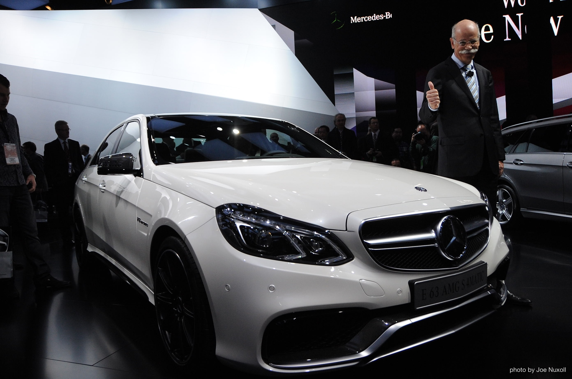 2014 mercedes benz e63 amg live photos 2013 detroit auto show. Black Bedroom Furniture Sets. Home Design Ideas