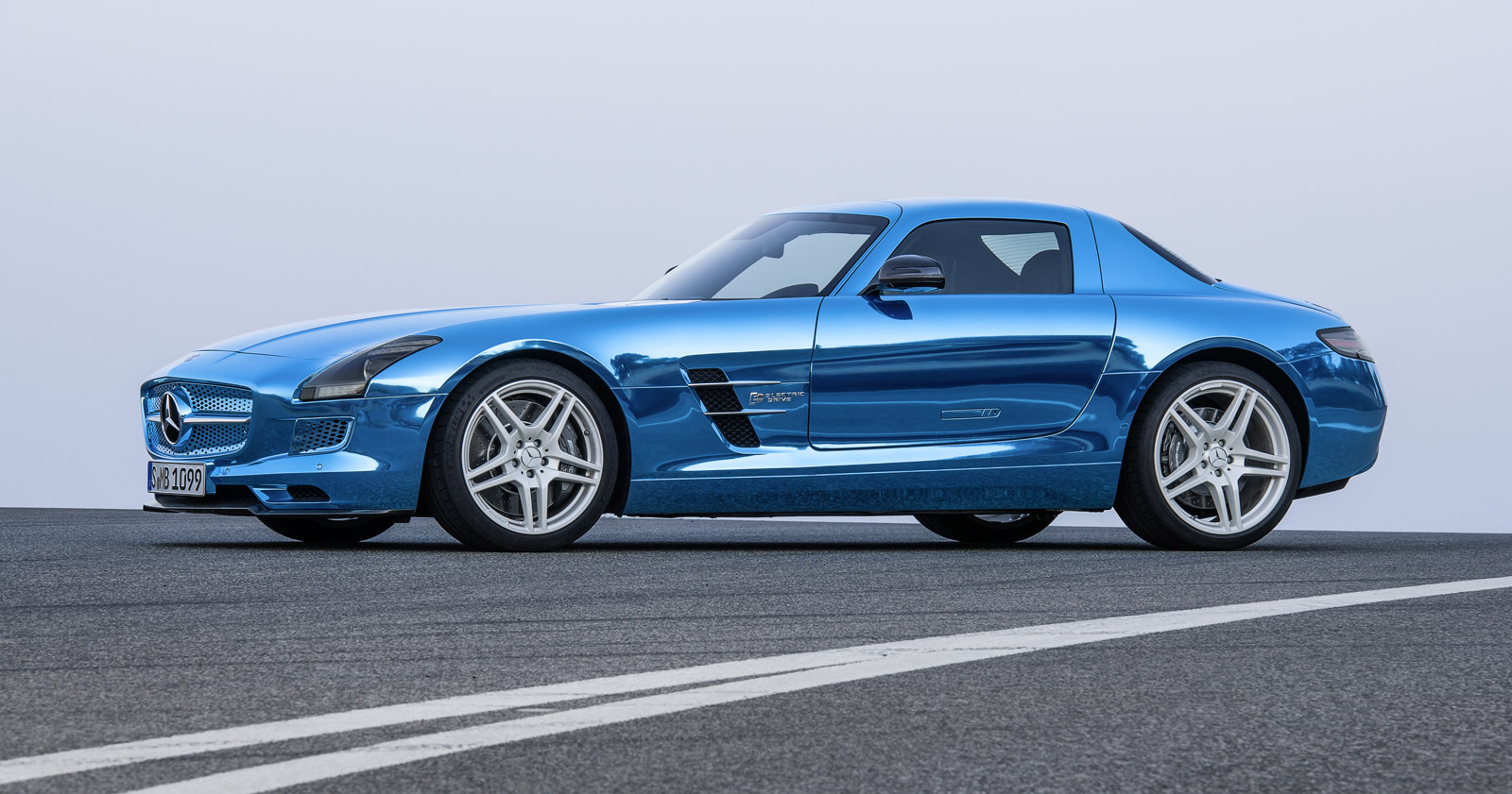 2013 MercedesBenz SLS AMG Electric Drive Sexy But Expensive