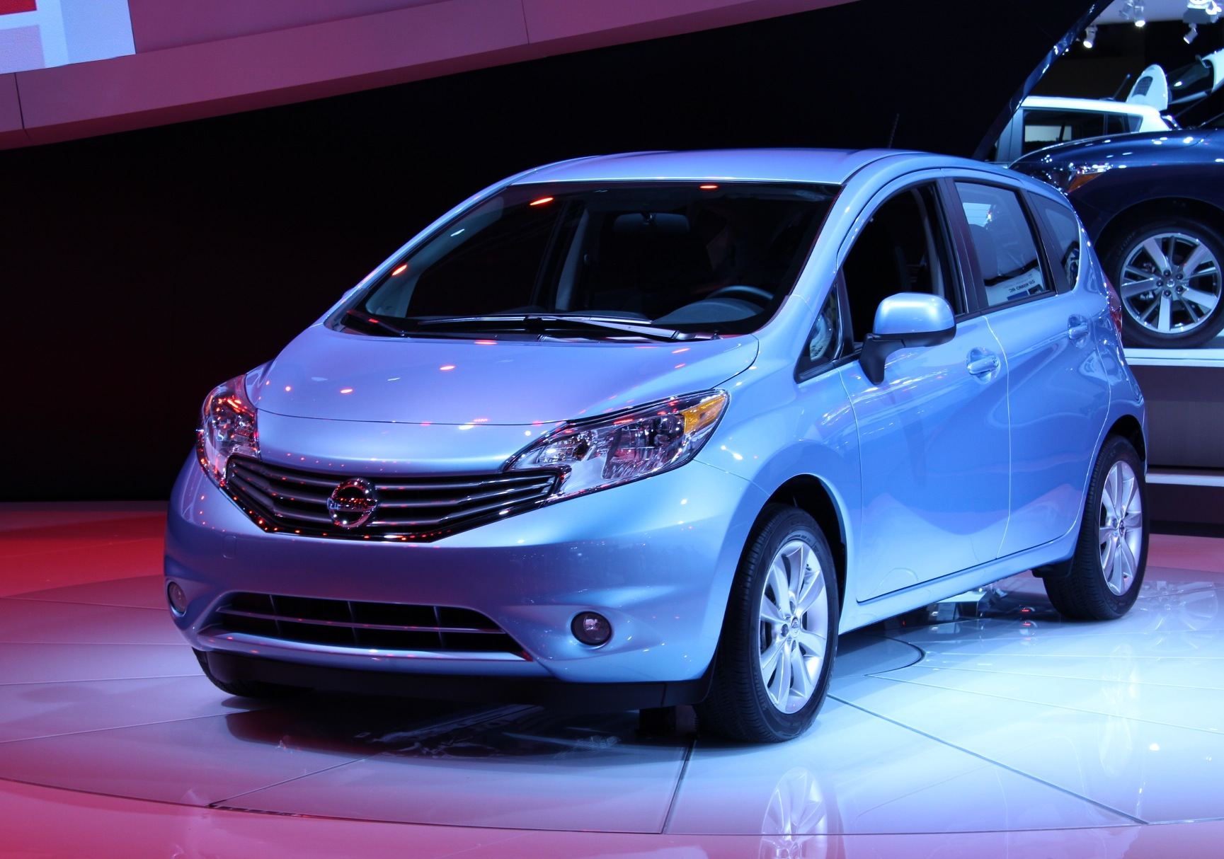 2014 nissan versa note gas mileage drive report. Black Bedroom Furniture Sets. Home Design Ideas