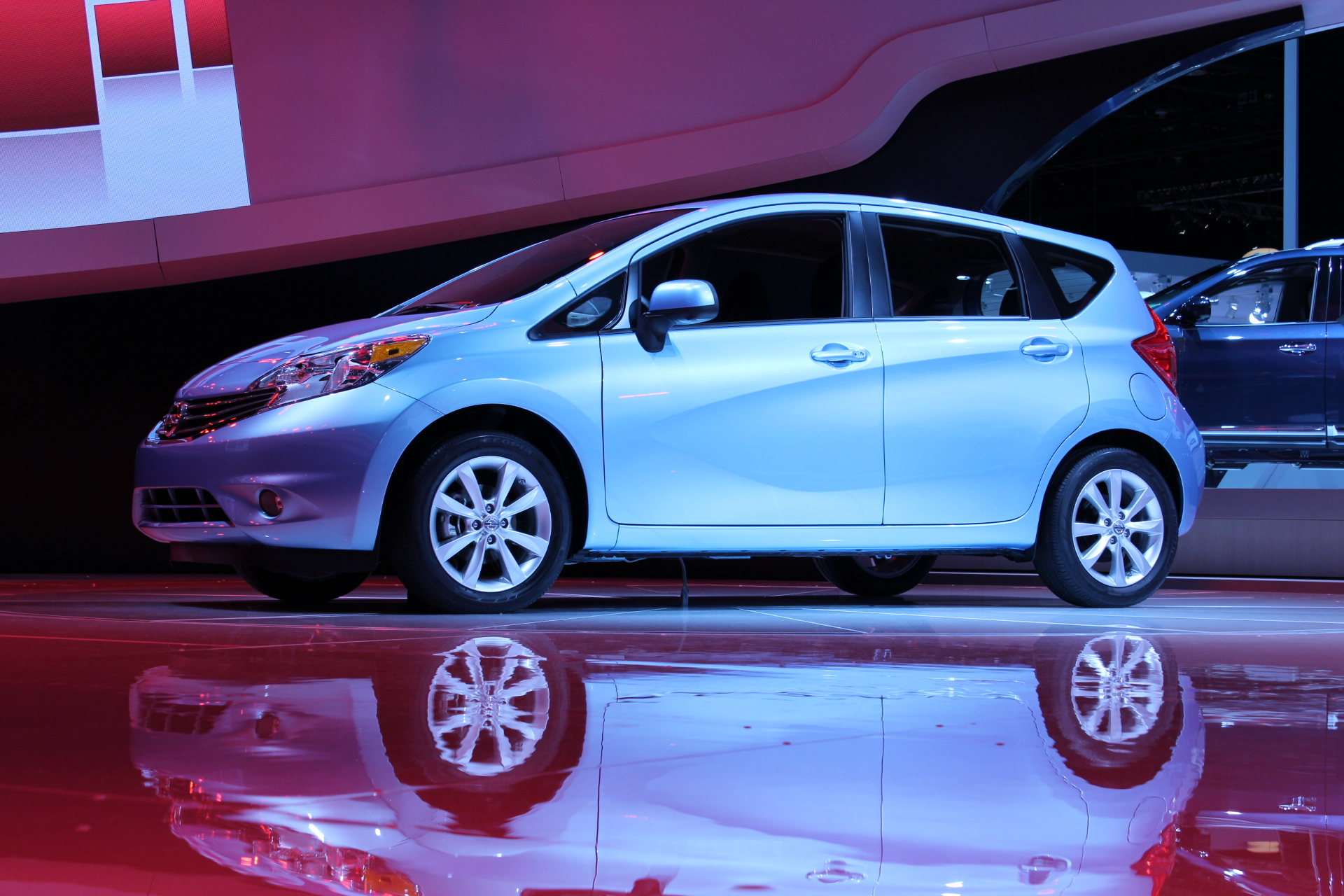 2014 nissan versa note 2013 detroit auto show first photos. Black Bedroom Furniture Sets. Home Design Ideas