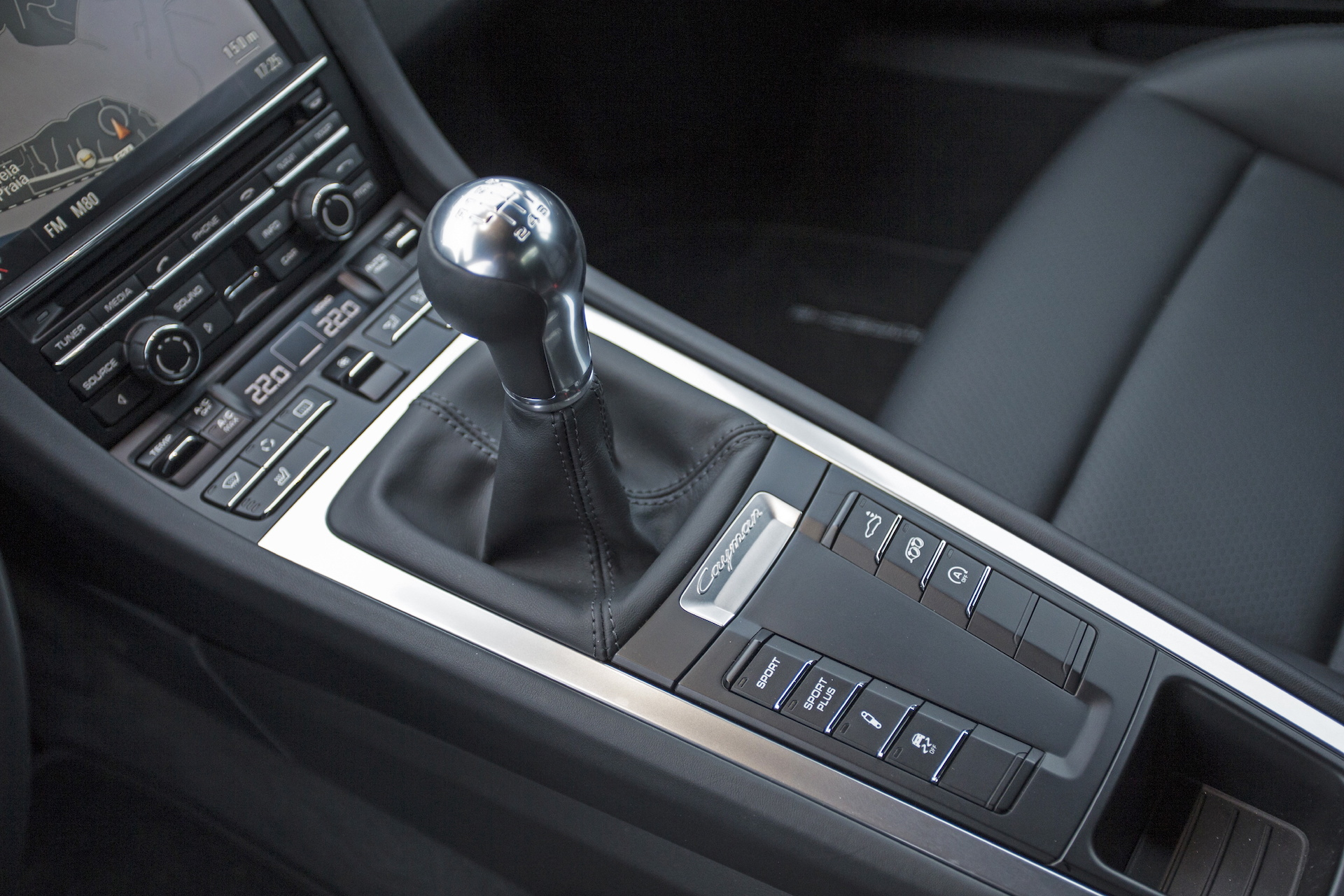 Gear Shift Lever : Readers say they want to giveashift with a manual