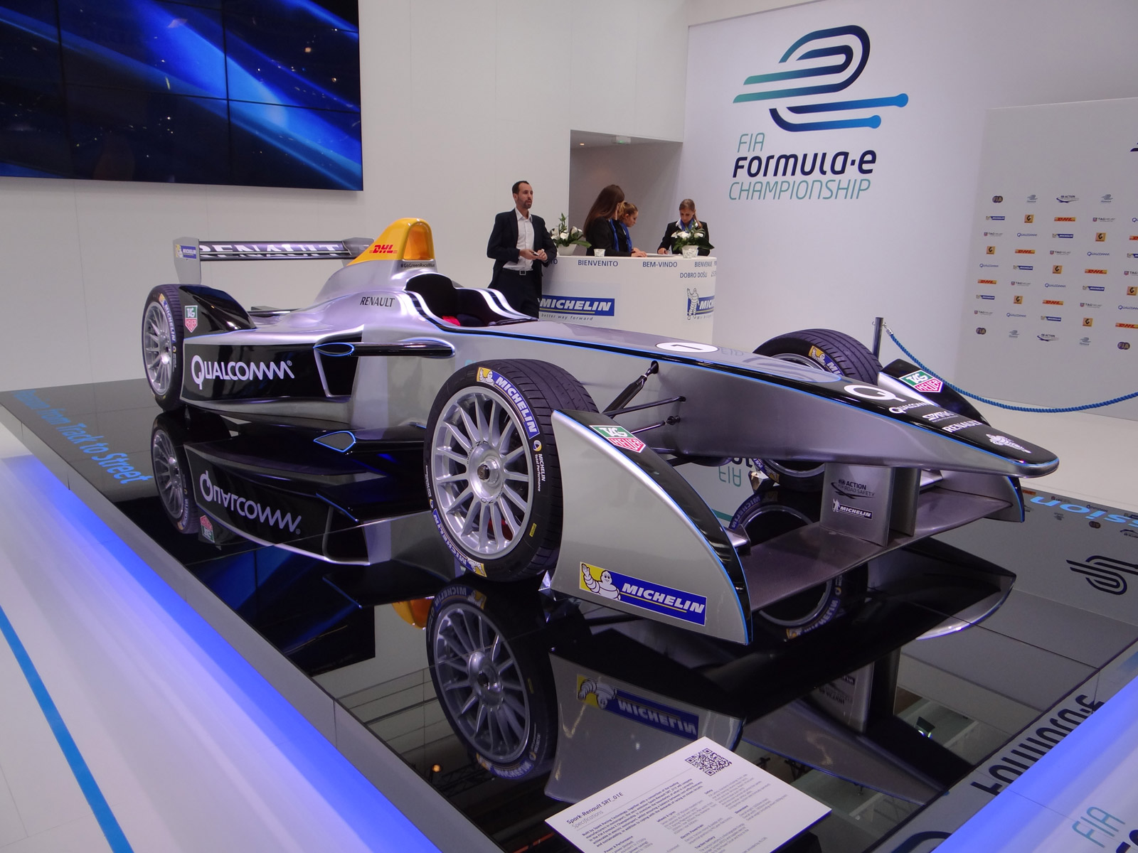 2014 spark renault srt 01e formula e electric racer at. Black Bedroom Furniture Sets. Home Design Ideas