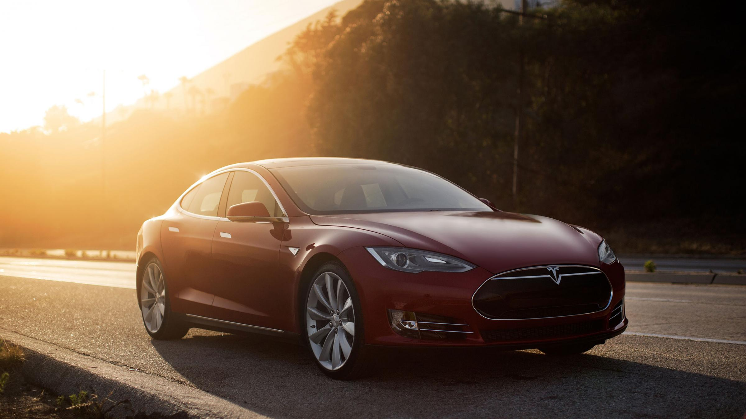 Want To Rent A Tesla Model S P85? It\'ll Cost You $900...A Day