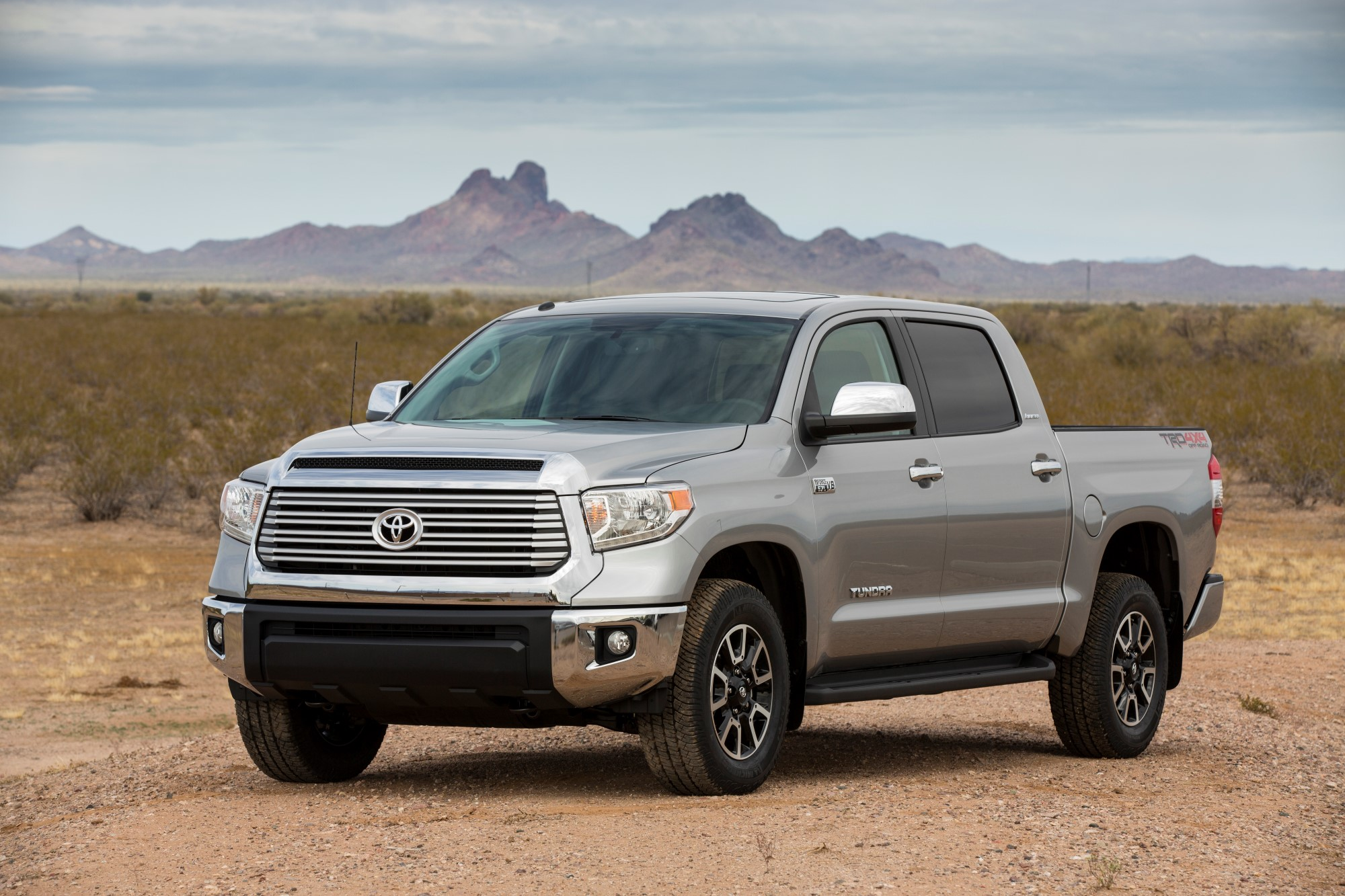 2017 Toyota Tundra Mpg >> 2014 Toyota Tundra Review Ratings Specs Prices And