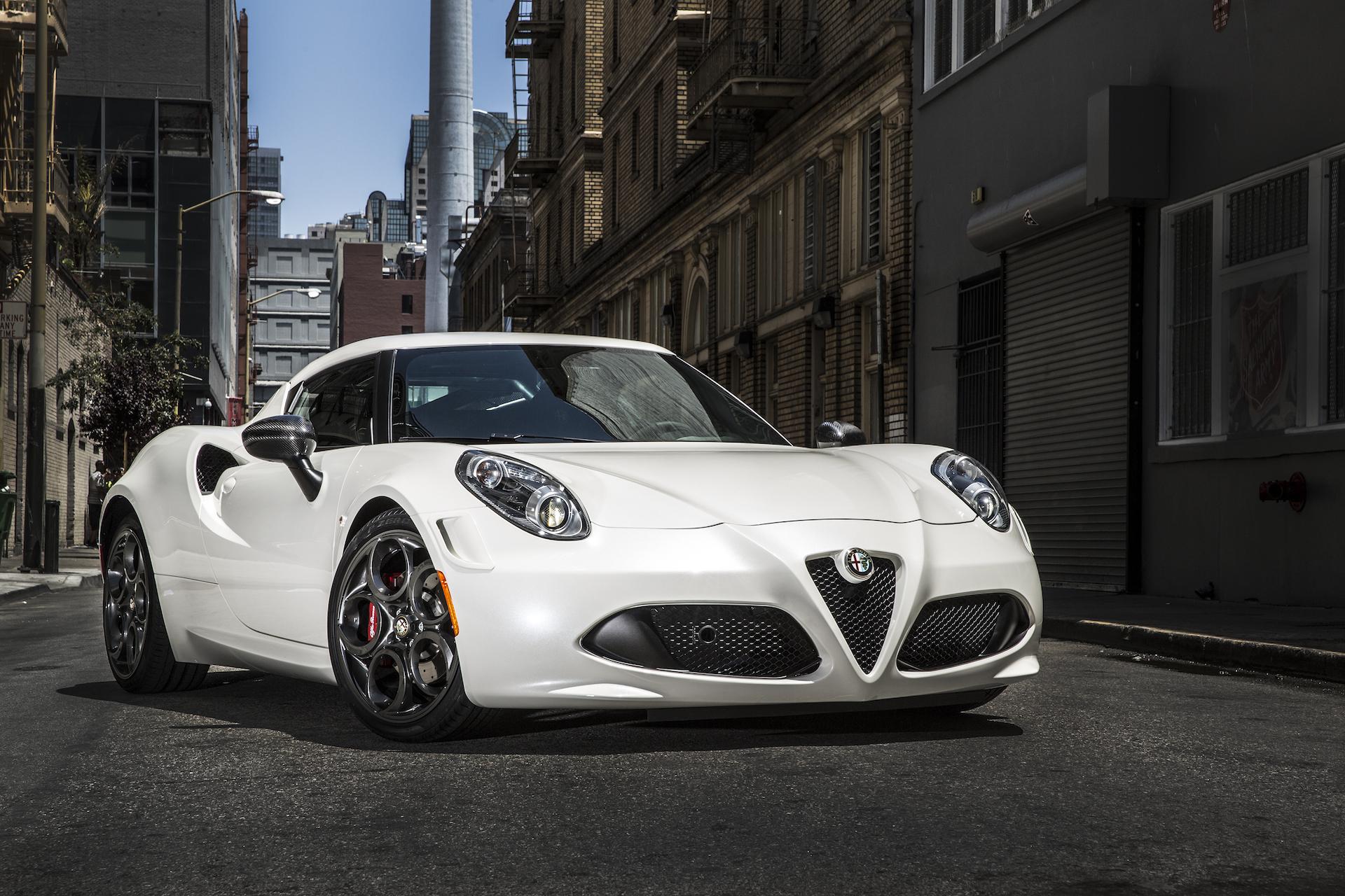 2015 alfa romeo 4c: motor authority's best car to buy 2015