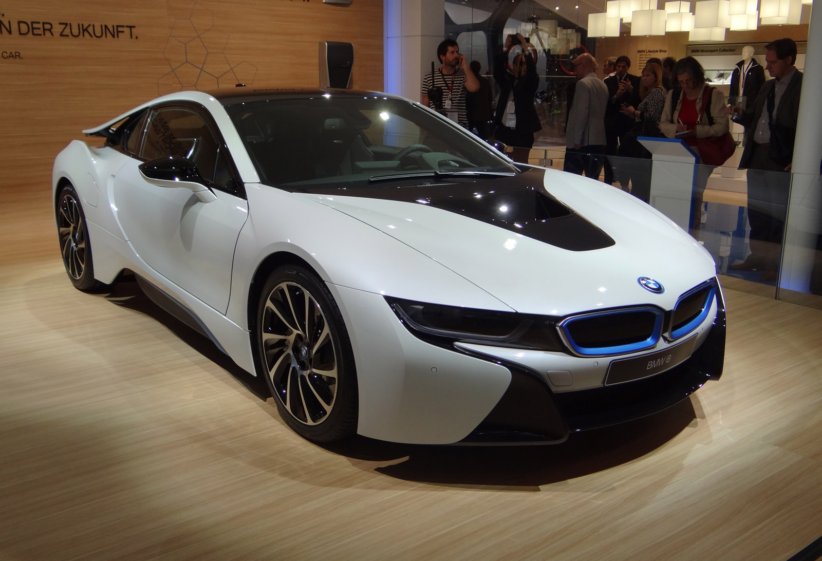 See Amp Hear The Bmw I8 At Full Throttle Video