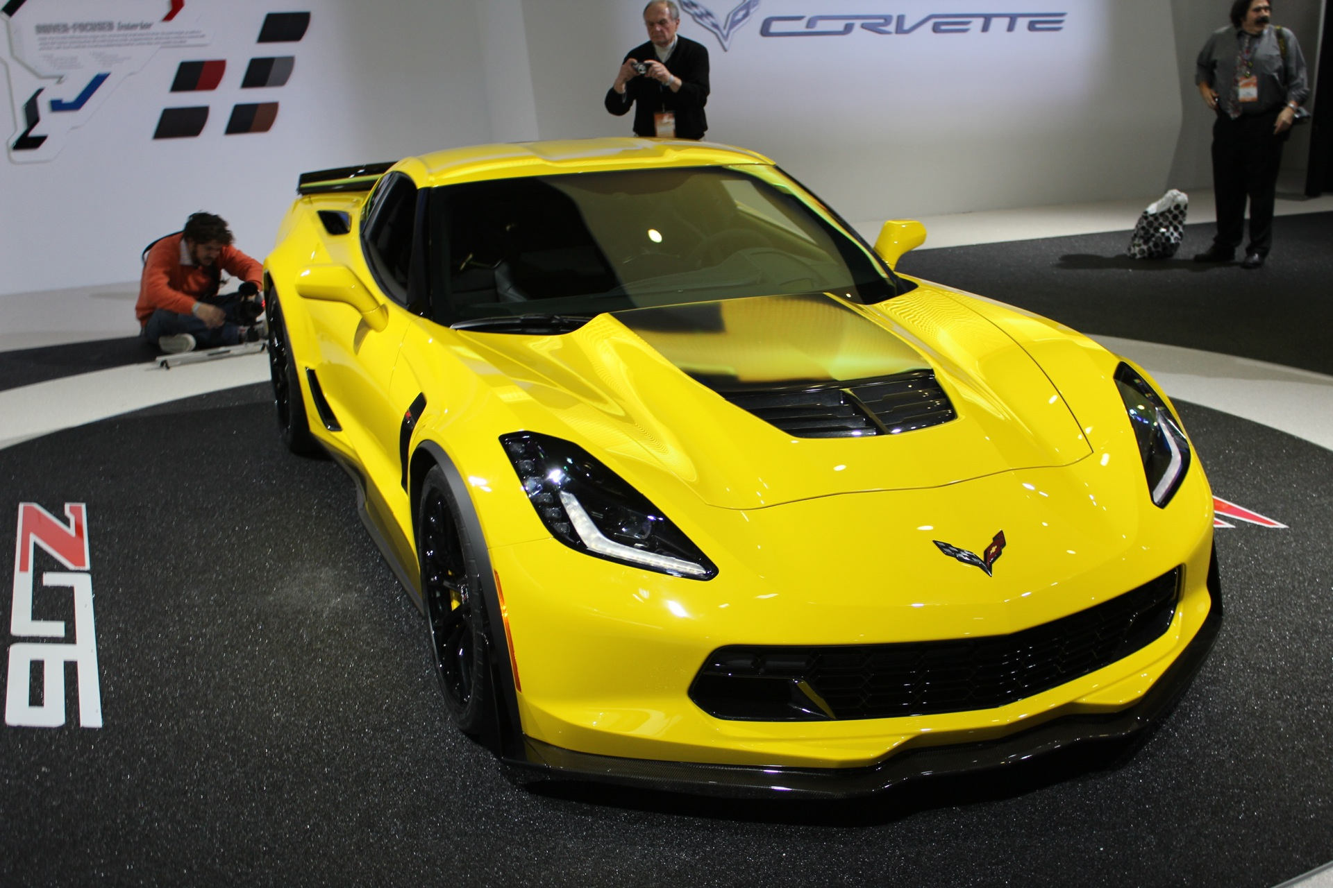 First 2015 Chevrolet Corvette Z06 To Be Auctioned Off For Charity