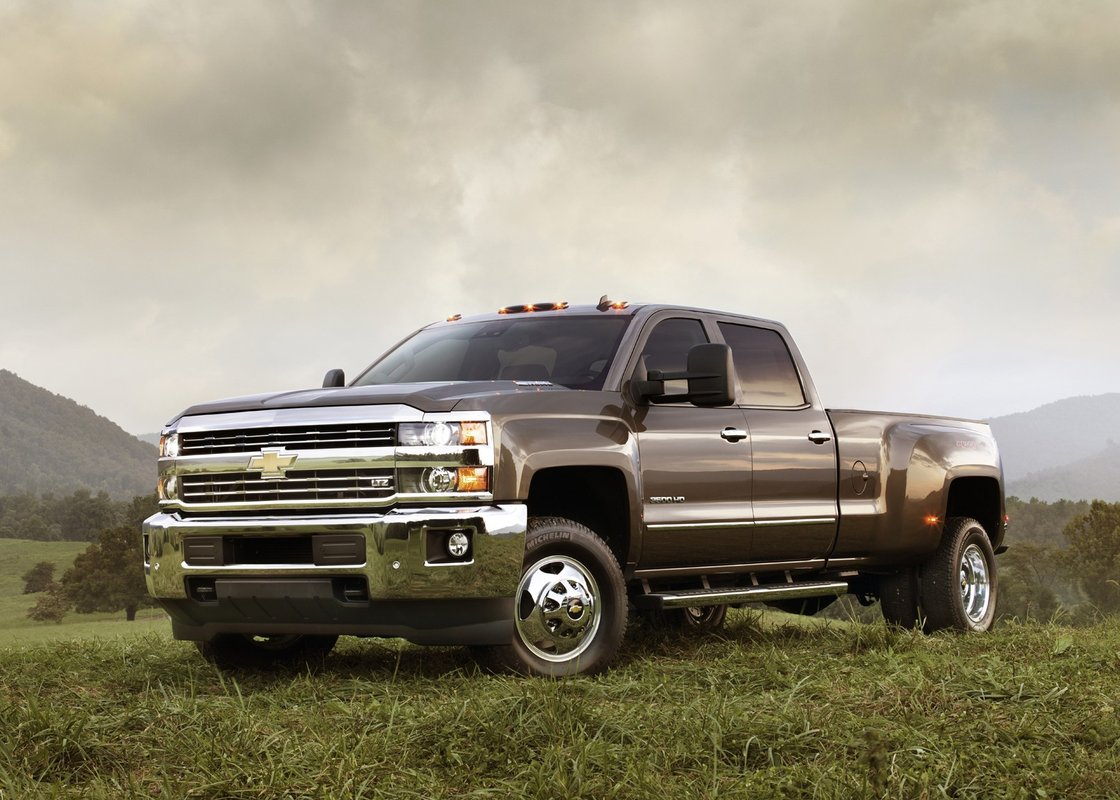 2015 gmc sierra hd 2015 chevy silverado hd first details. Black Bedroom Furniture Sets. Home Design Ideas