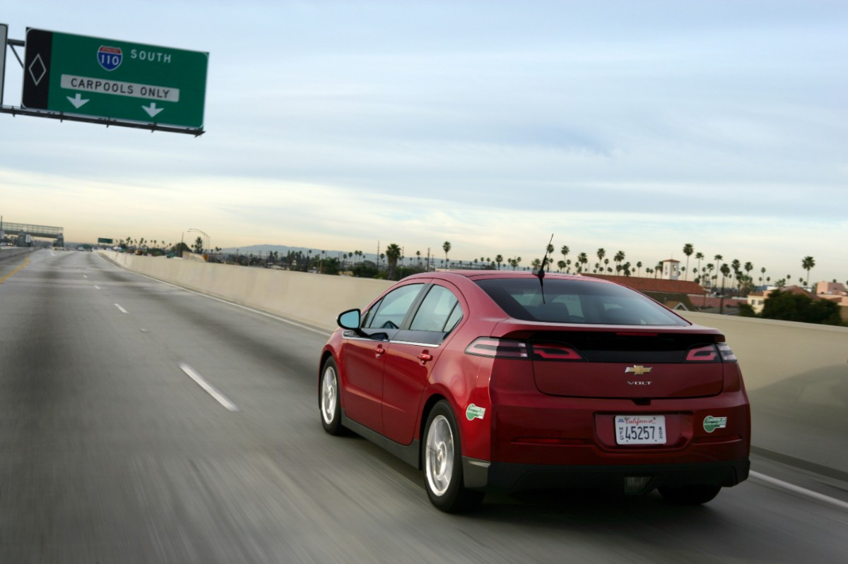 Carpool Lane Access Very Important For Electric Car Adoption It