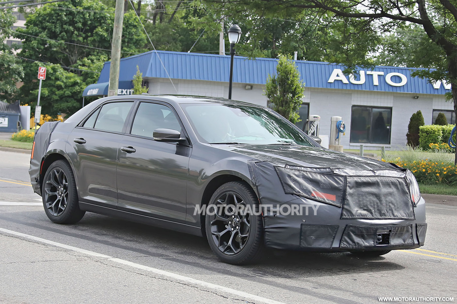 2015 Chrysler 300 Spy Shots