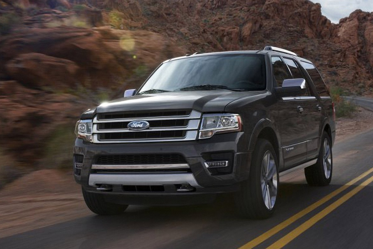 2015 ford expedition ecoboost giant suv gets smaller engine