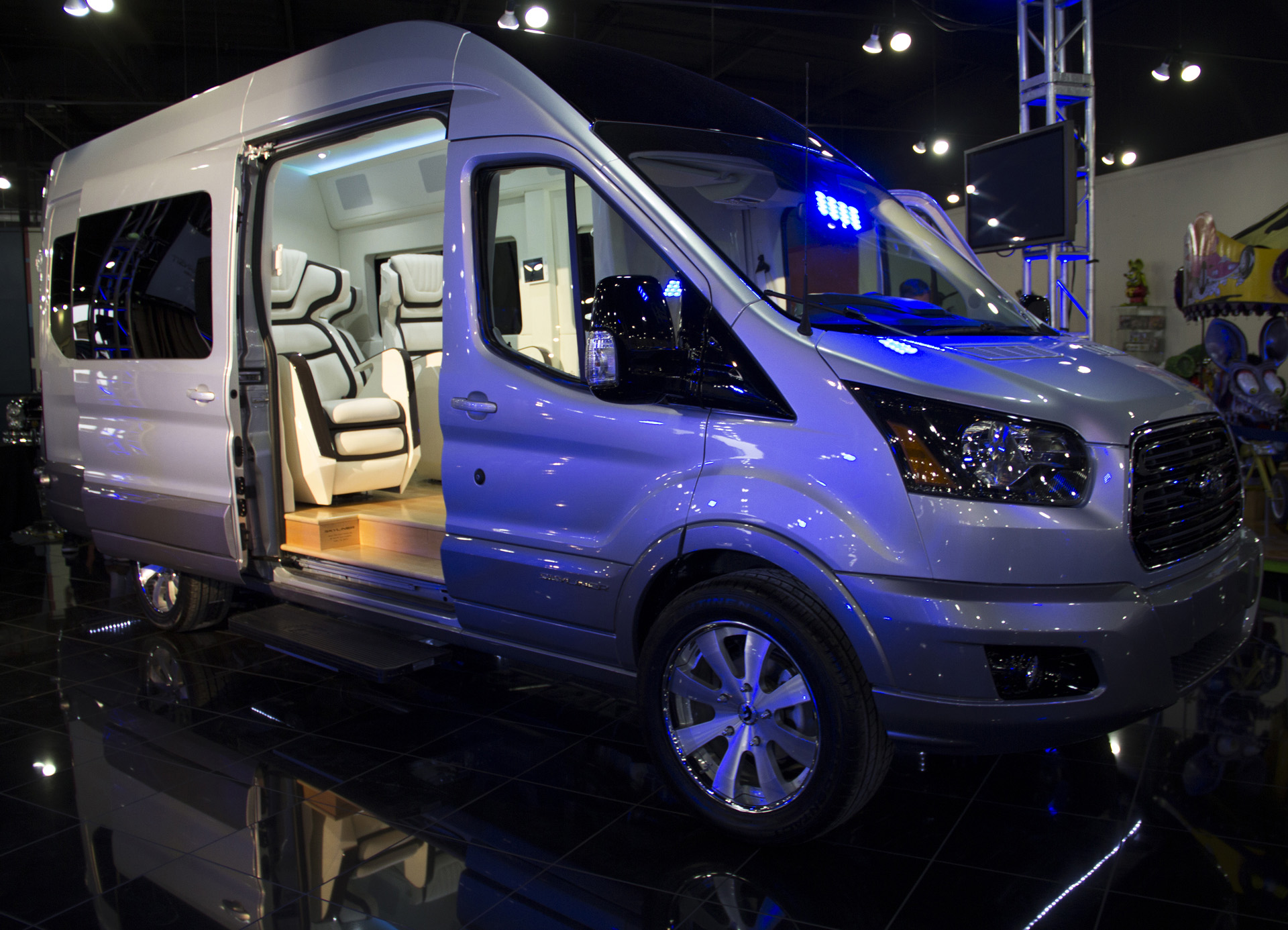 Minivans For Sale >> Ford Transit Skyliner Concept Is The New York Auto Show's Party Van