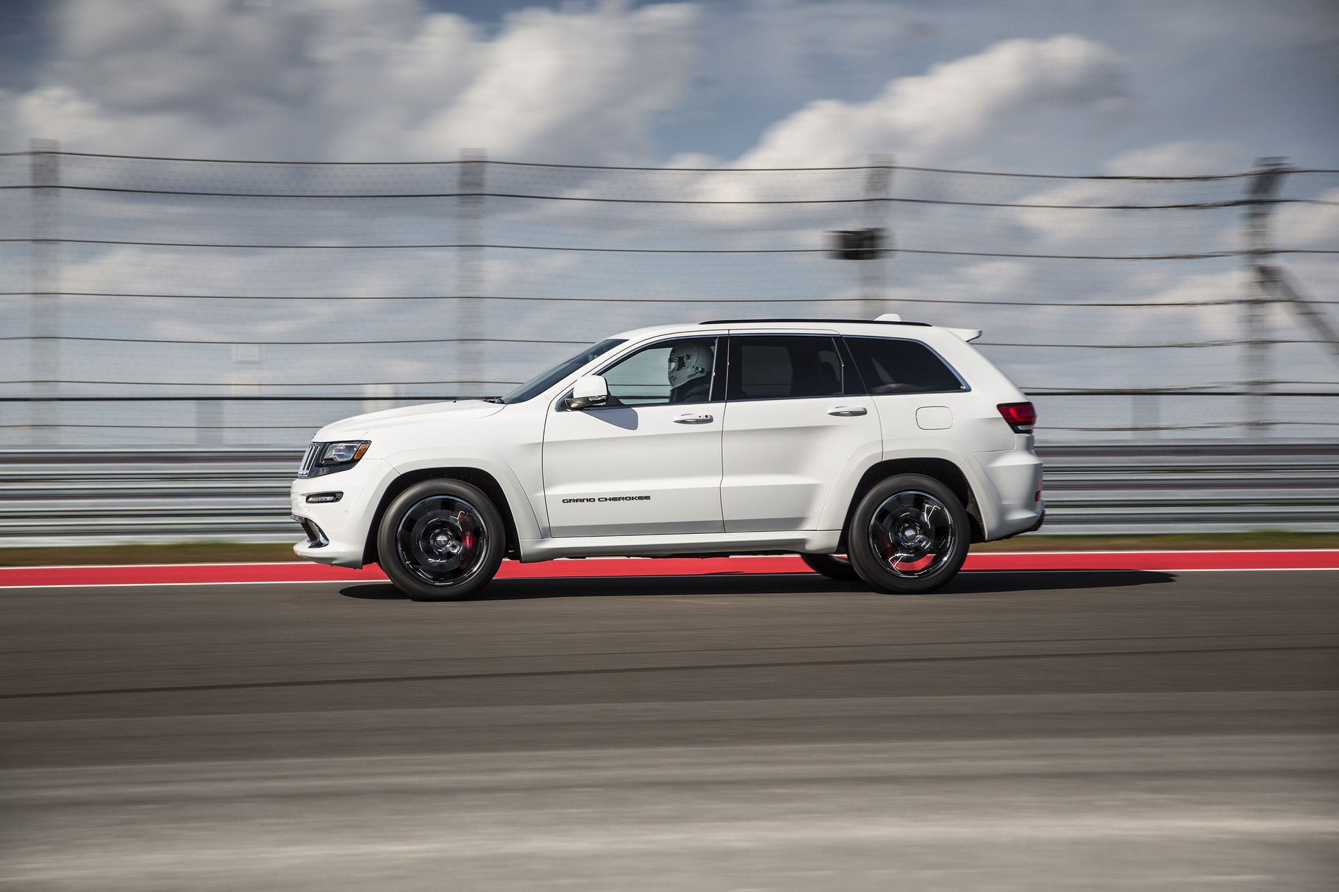 Hellcat Powered Jeep Grand Cherokee Trackhawk Could Be Delayed e