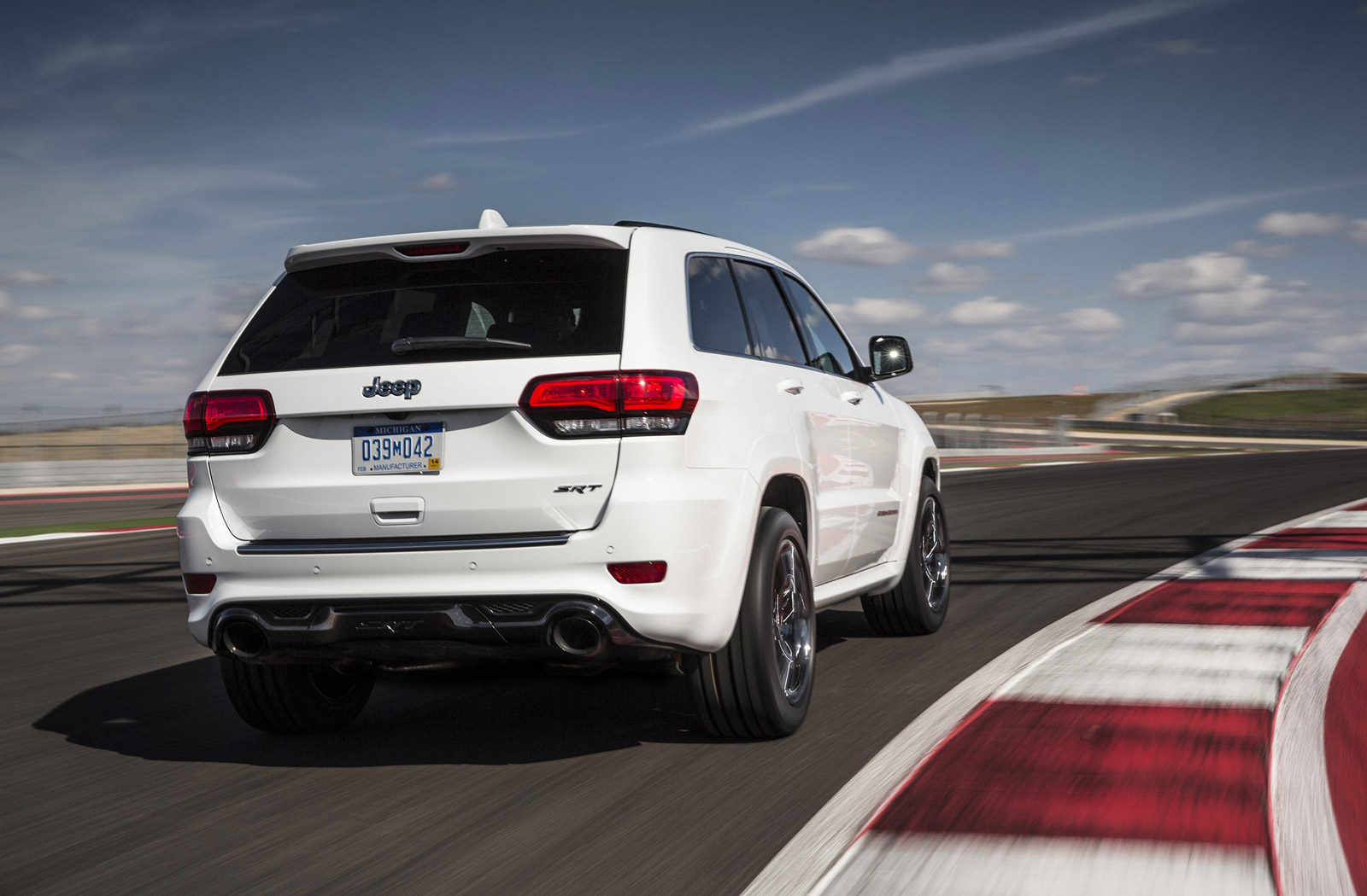 jeep grand cherokee trackhawk: 0-60 in 2.7 seconds, $79,999?