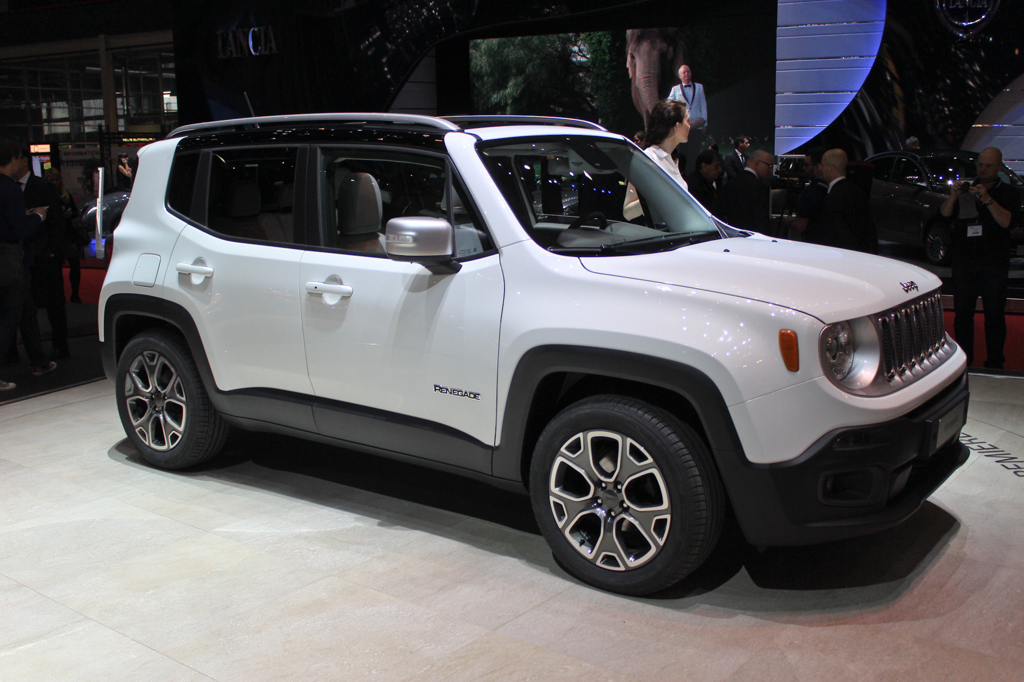 Jeep Renegade Is Male While Fiat 500x Will Be More
