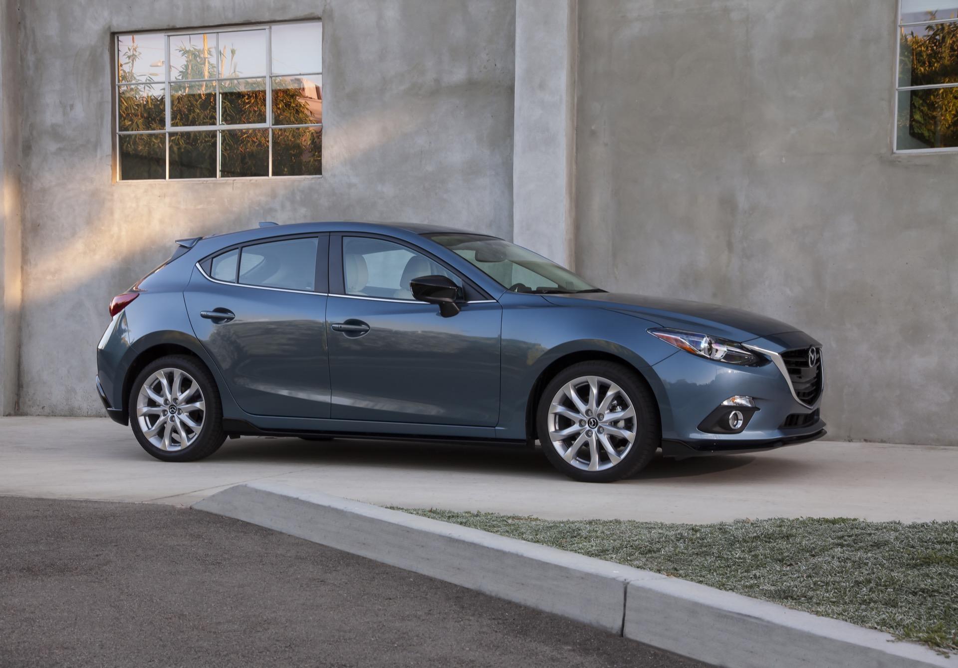 Kelebihan Mazda A3 Perbandingan Harga