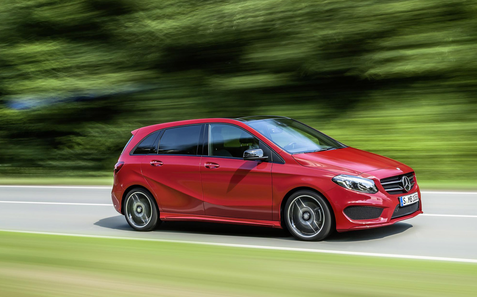 Mercedes Benz mercedes benz a class : 2015 Mercedes-Benz B-Class Gets Sporty New Look And More Tech