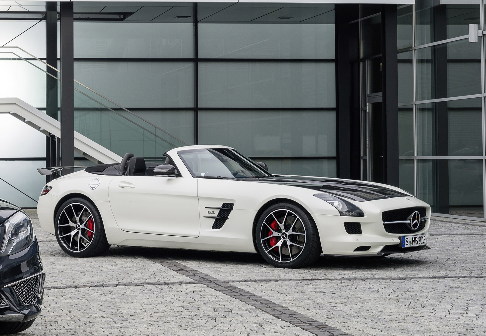 2015 mercedes benz sls amg review ratings specs prices for Silverlit mercedes benz sls amg