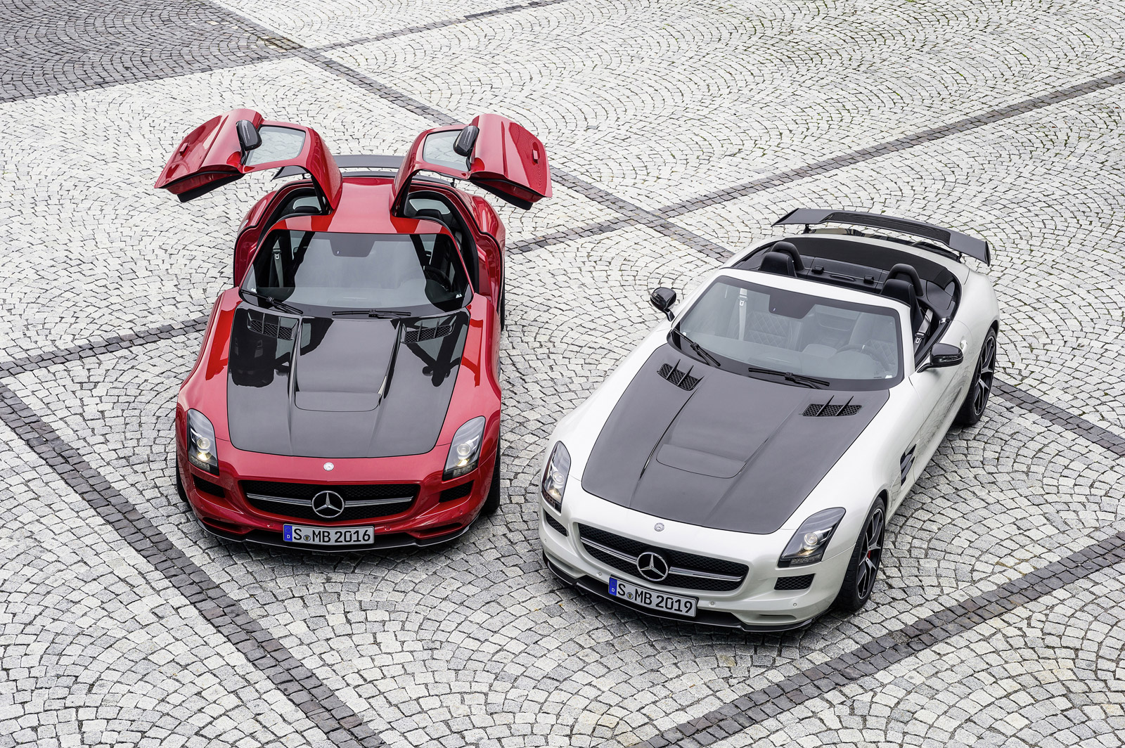 MercedesAMGs Next Gullwing May Go MidEngine Hybrid Route Report