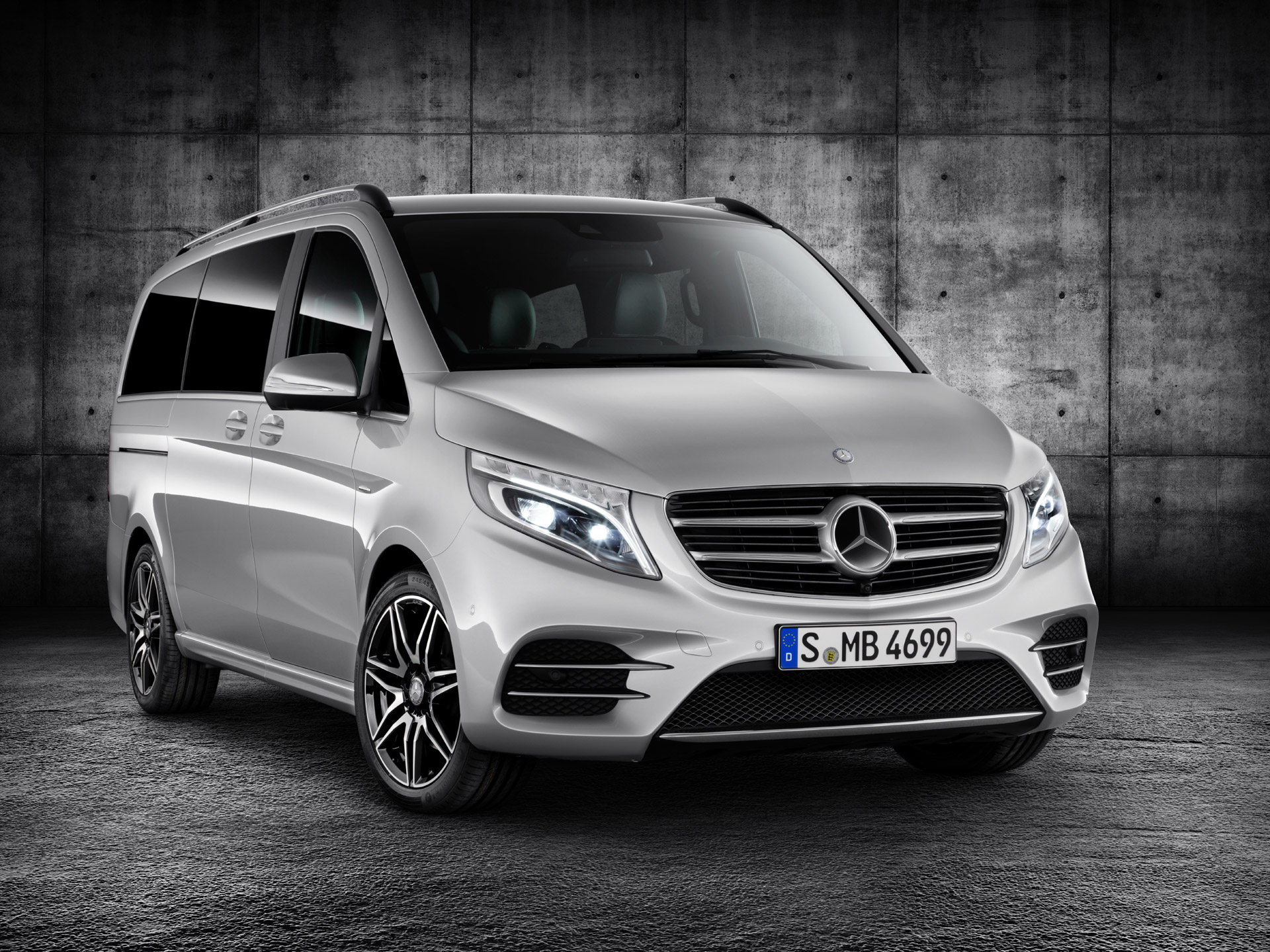 https://images.hgmsites.net/hug/2015-mercedes-benz-v-class-equipped-with-amg-line-package_100524134_h.jpg