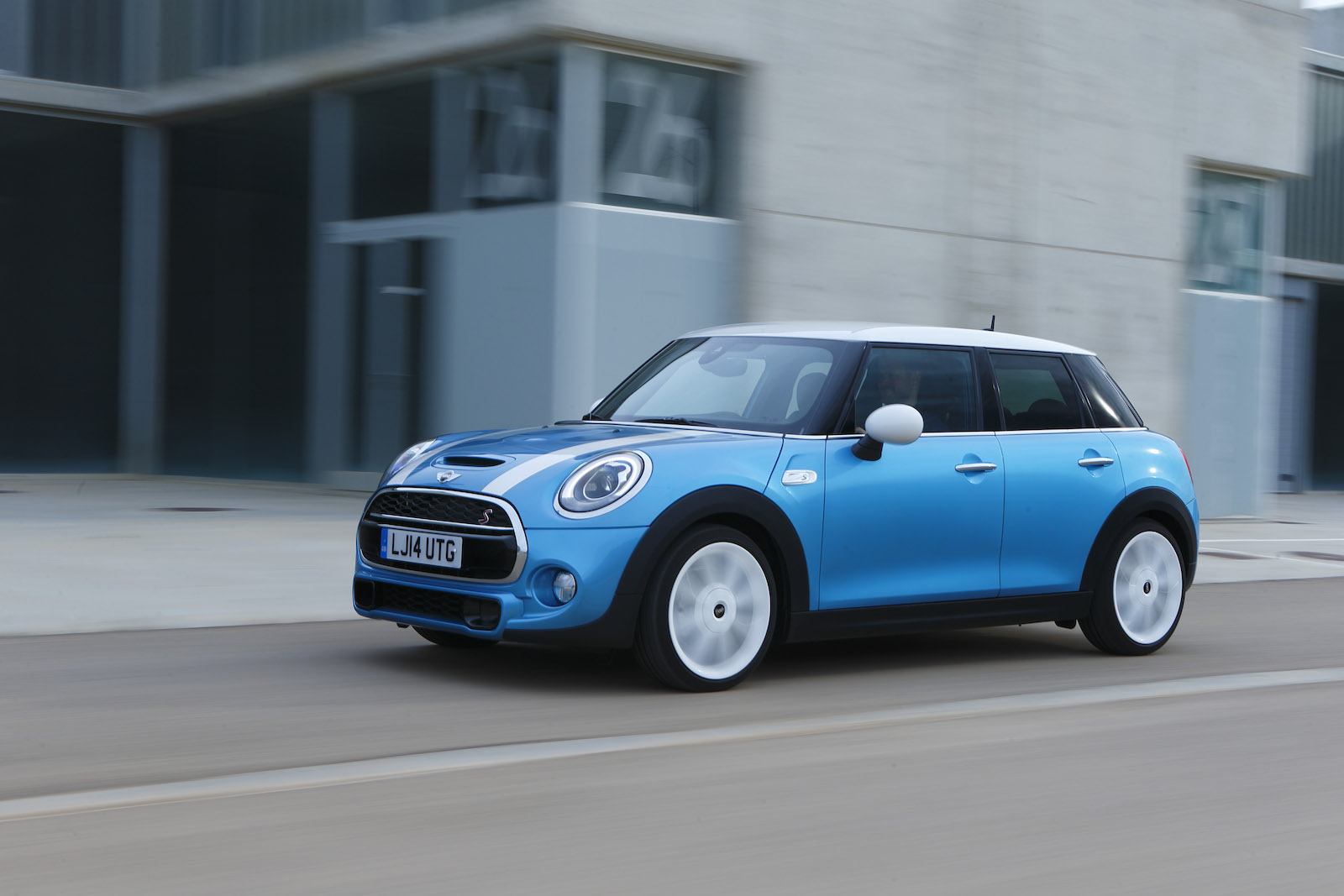 2015 Mini Cooper 5 Door Preview