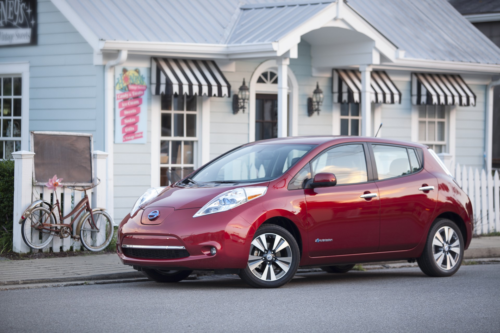 Nissan Leaf Battery Replacement >> Nissan Leaf $5,500 Battery Replacement Loses Money, Company Admits