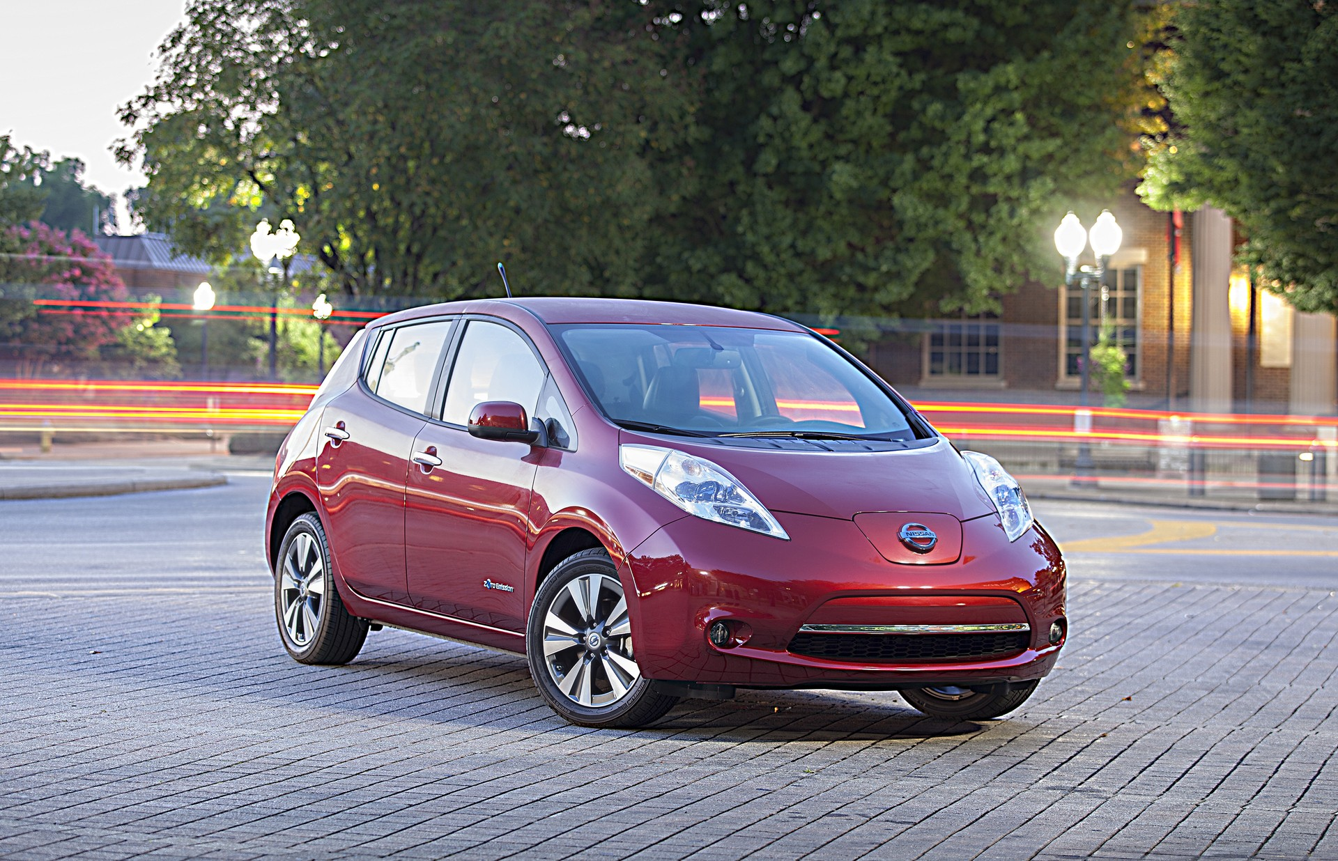 2015 nissan leaf discounts deals on leases financing increase. Black Bedroom Furniture Sets. Home Design Ideas