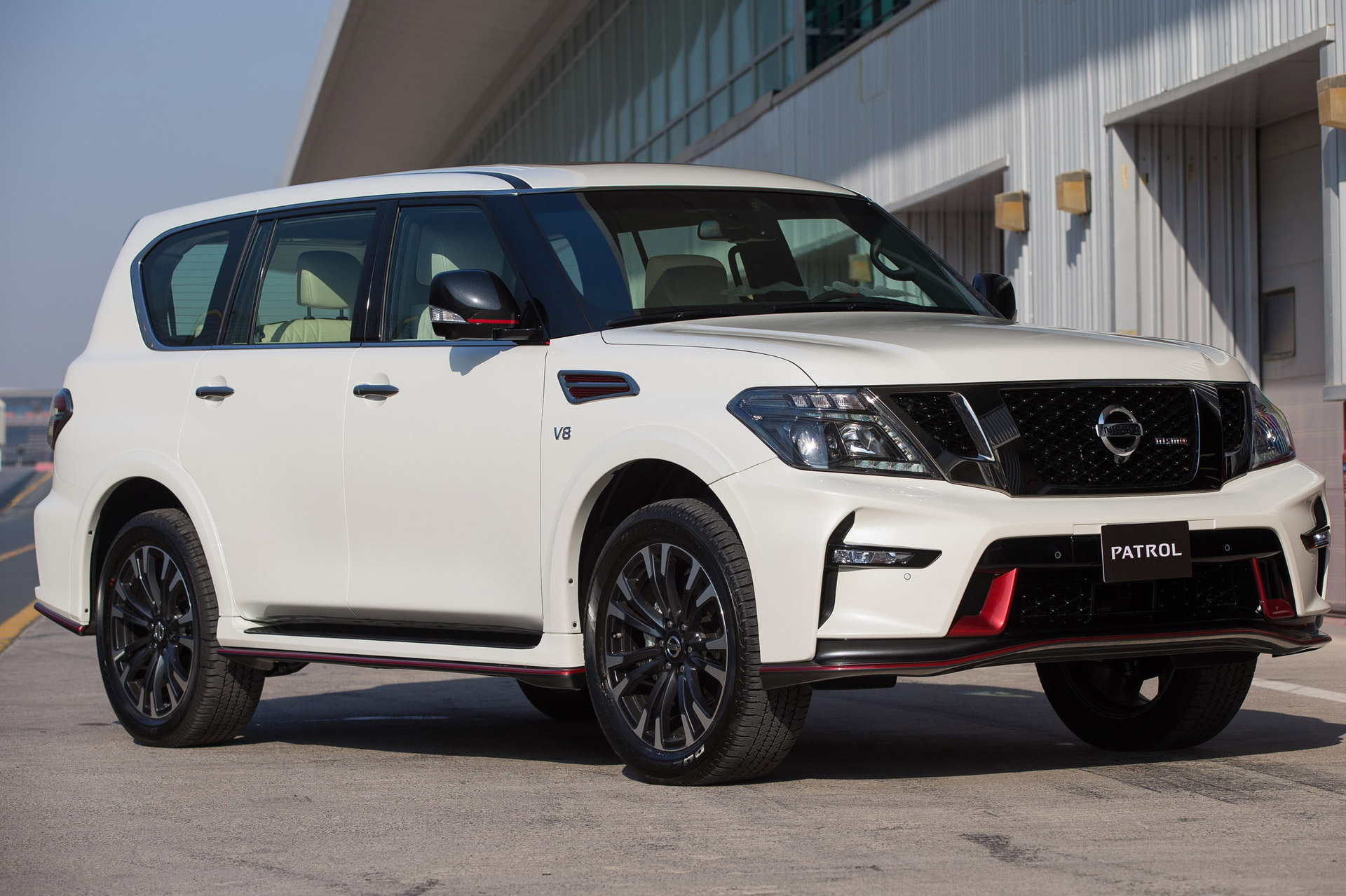 nissan patrol full size suv gets nismo treatment. Black Bedroom Furniture Sets. Home Design Ideas