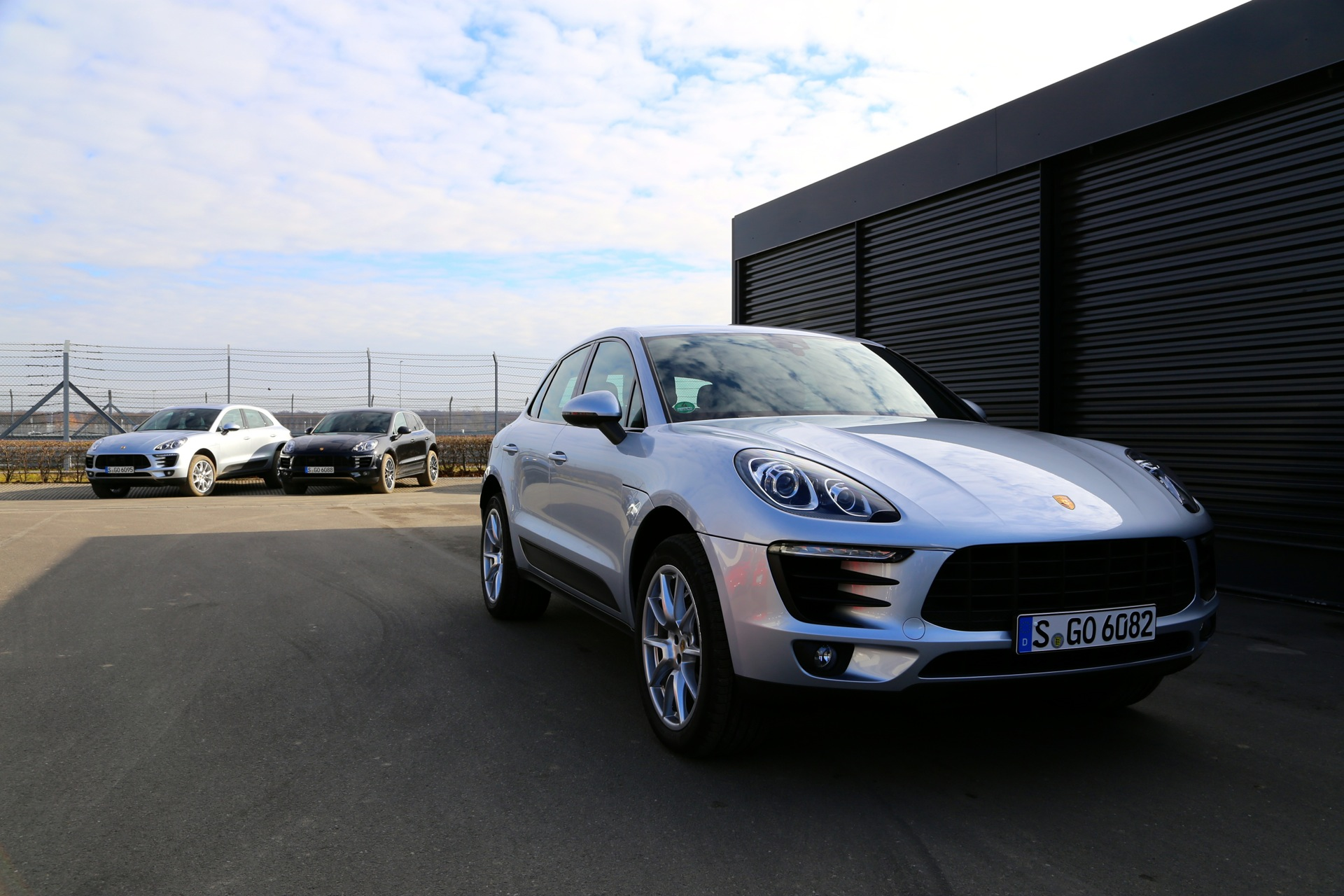 report porsche likely to launch macan plug in hybrid. Black Bedroom Furniture Sets. Home Design Ideas