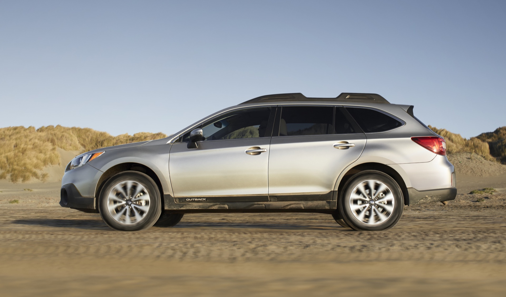 2015 Subaru Legacy Outback Earn Best Possible IIHS Safety Rating
