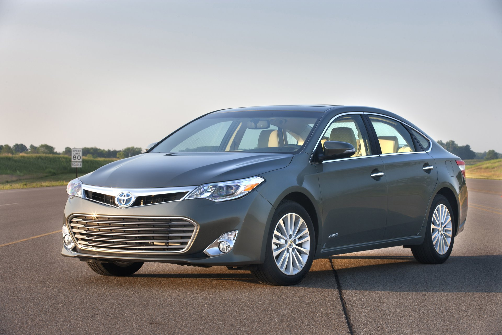 toyota car review test new avalon drive buy expert