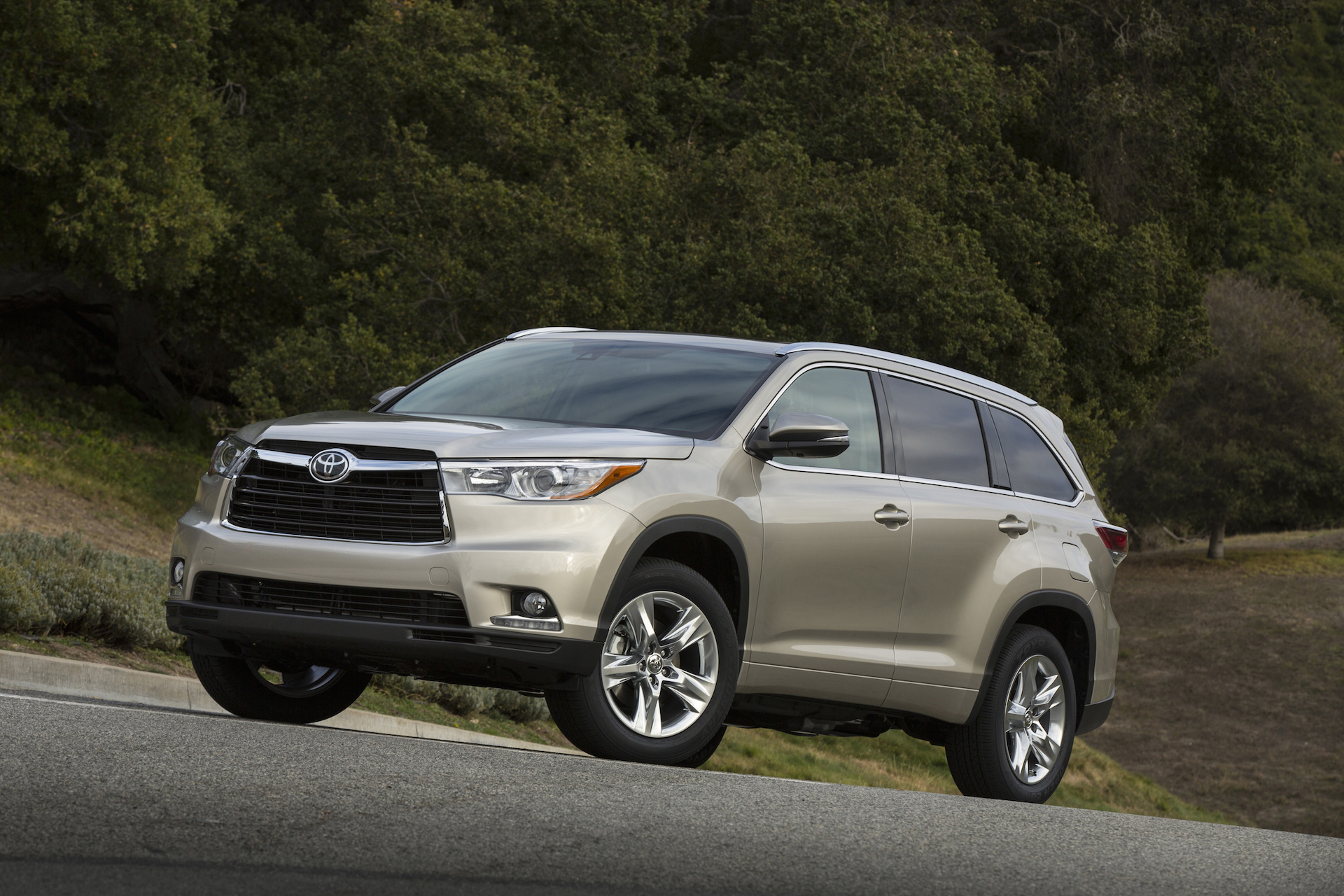 2015 Toyota Highlander Review Ratings Specs Prices And Photos