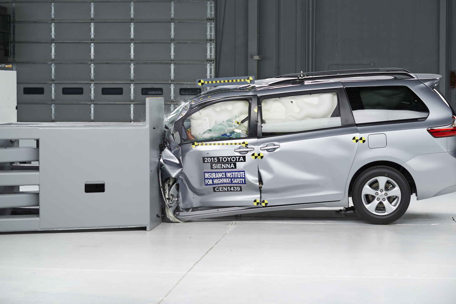Minivans Get Crushed In Latest IIHS Small-Overlap Tests