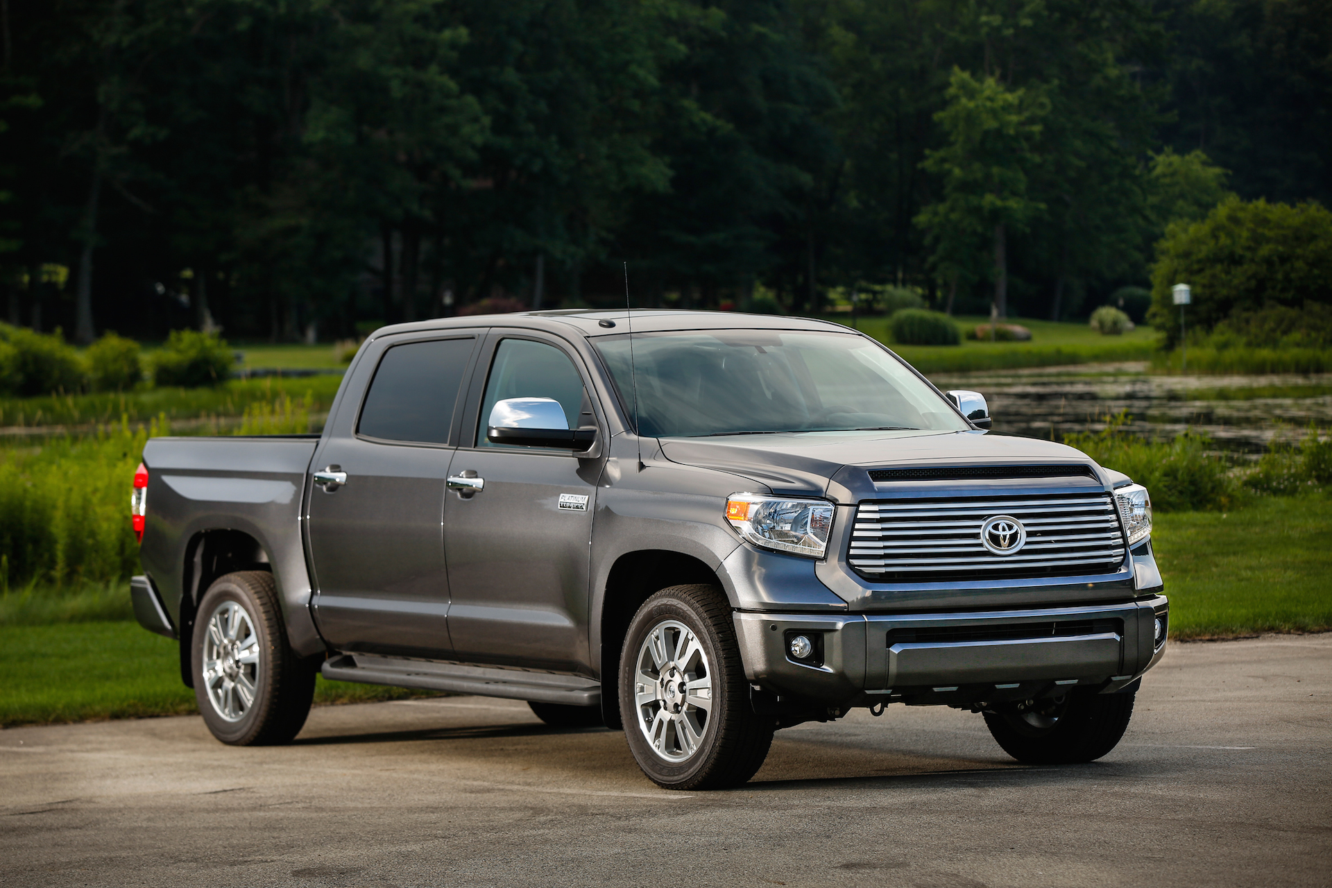 2017 Toyota Tundra Mpg >> 2015 Toyota Tundra Review Ratings Specs Prices And