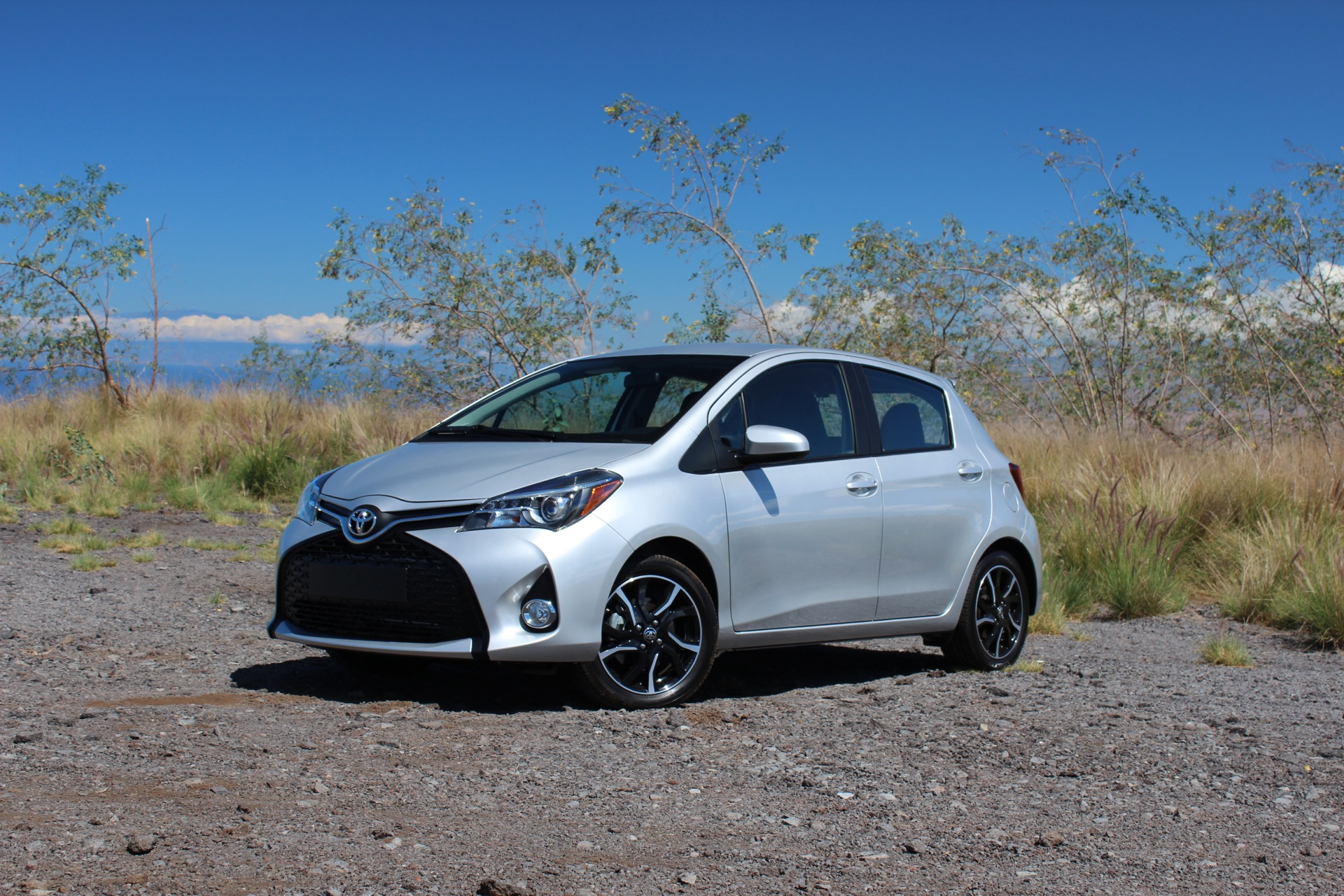 Kelebihan Toyota Yaris 2015 Tangguh
