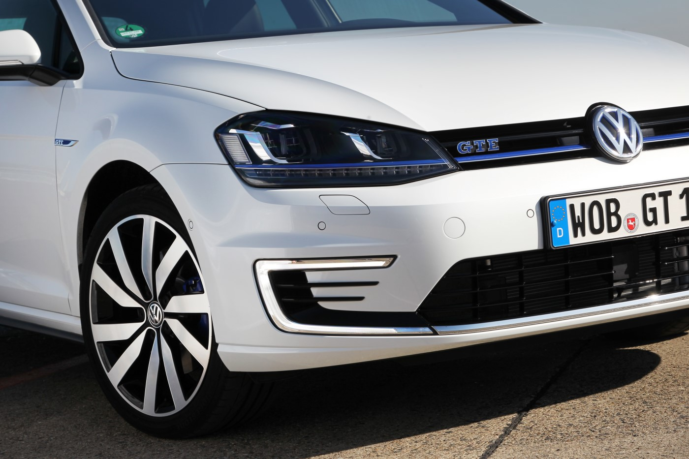 Driving The Volkswagen Golf Gte Forbidden Fruit Video Review
