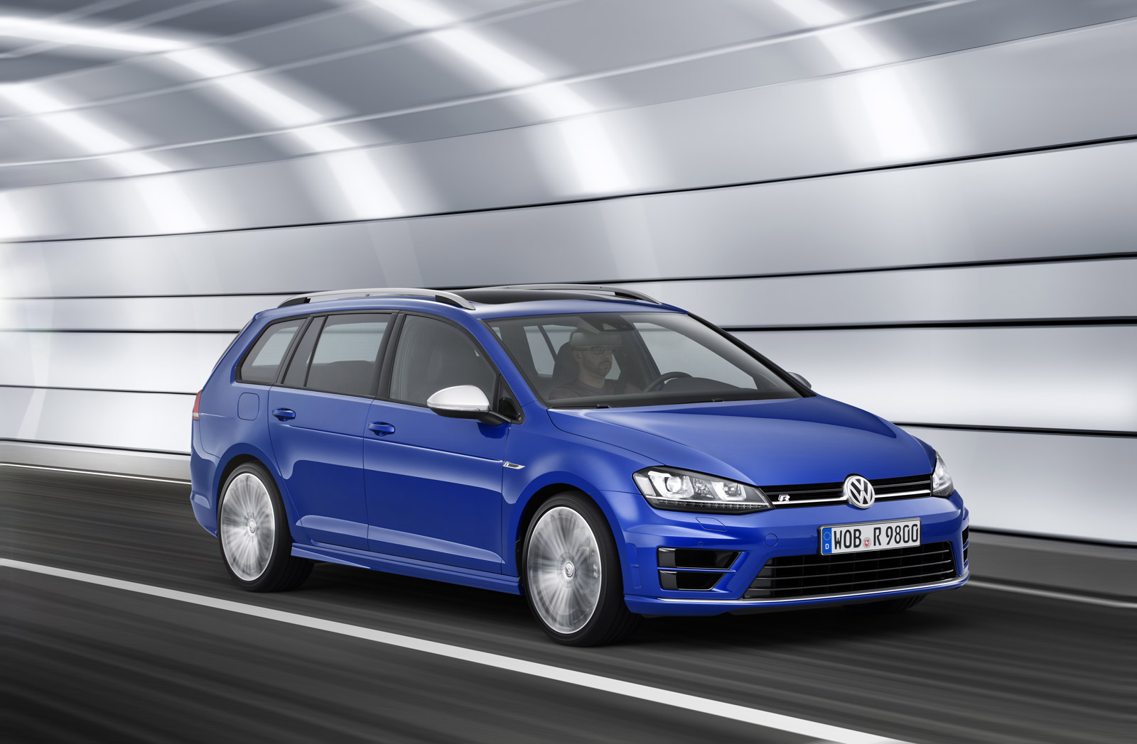volkswagen golf r variant revealed ahead of l a auto show. Black Bedroom Furniture Sets. Home Design Ideas