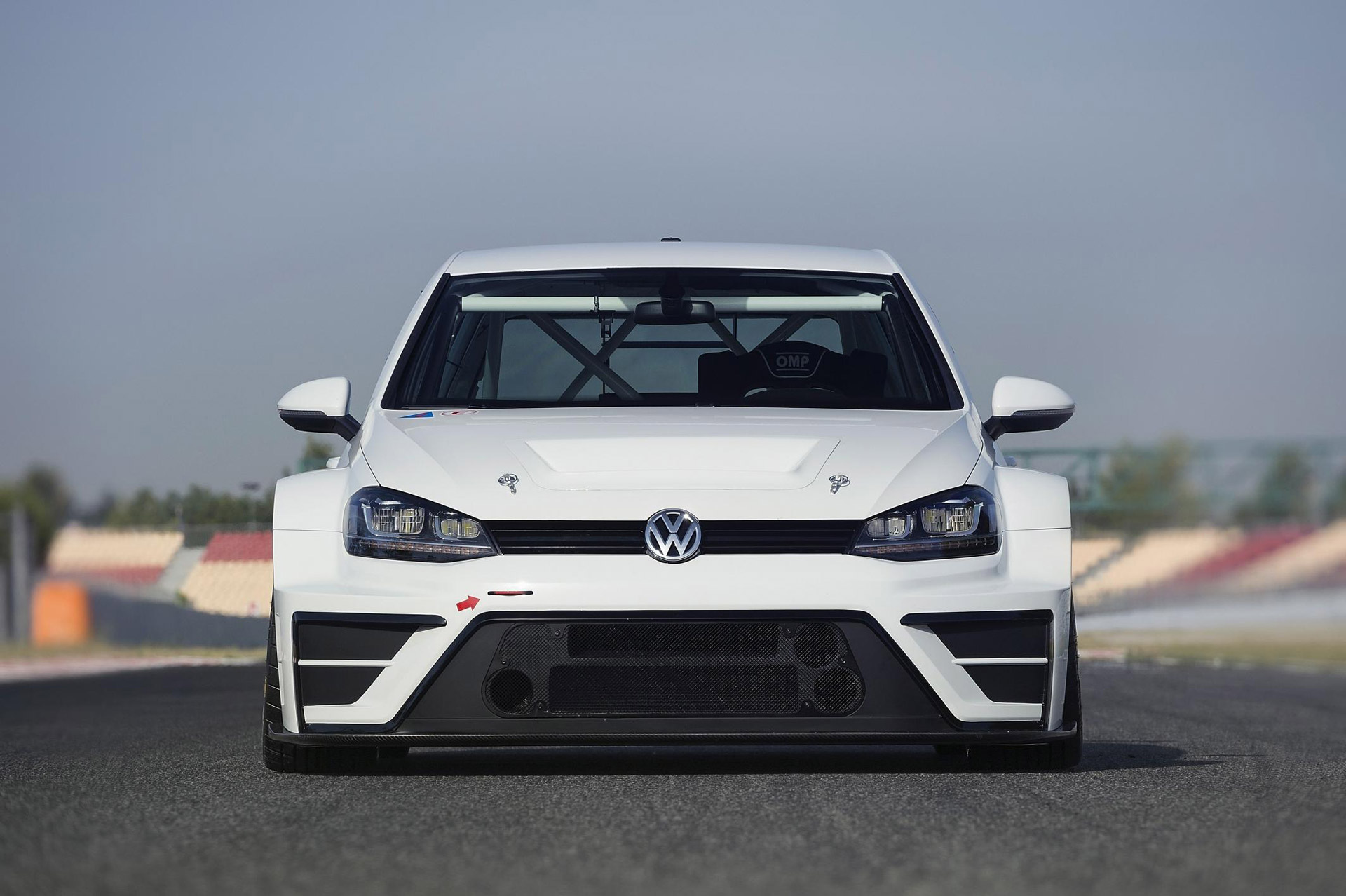 vw reveals radical golf racer for new touringcar racer. Black Bedroom Furniture Sets. Home Design Ideas