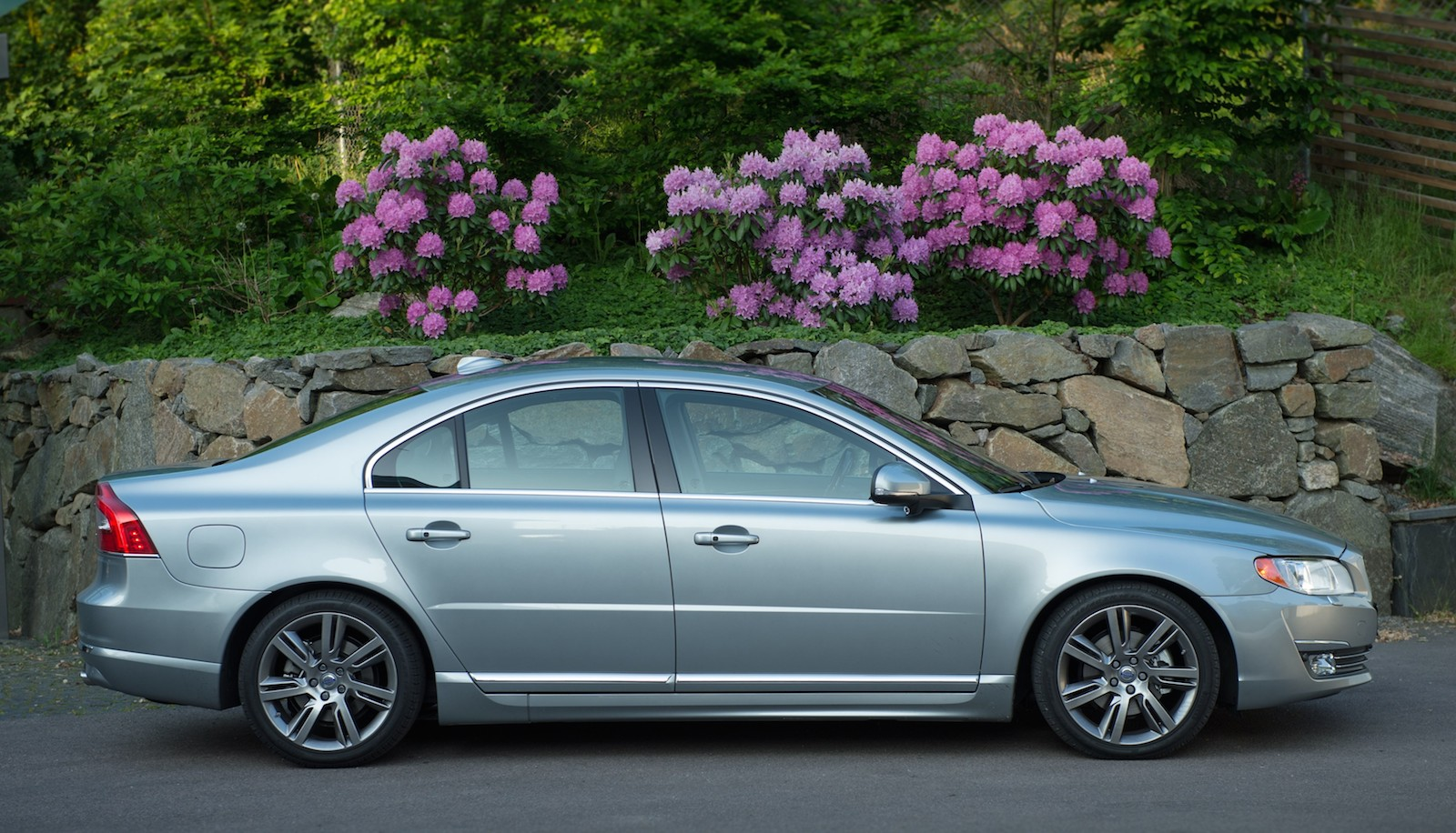 2016 Volvo S80 >> 2016 Volvo S80 Review Ratings Specs Prices And Photos